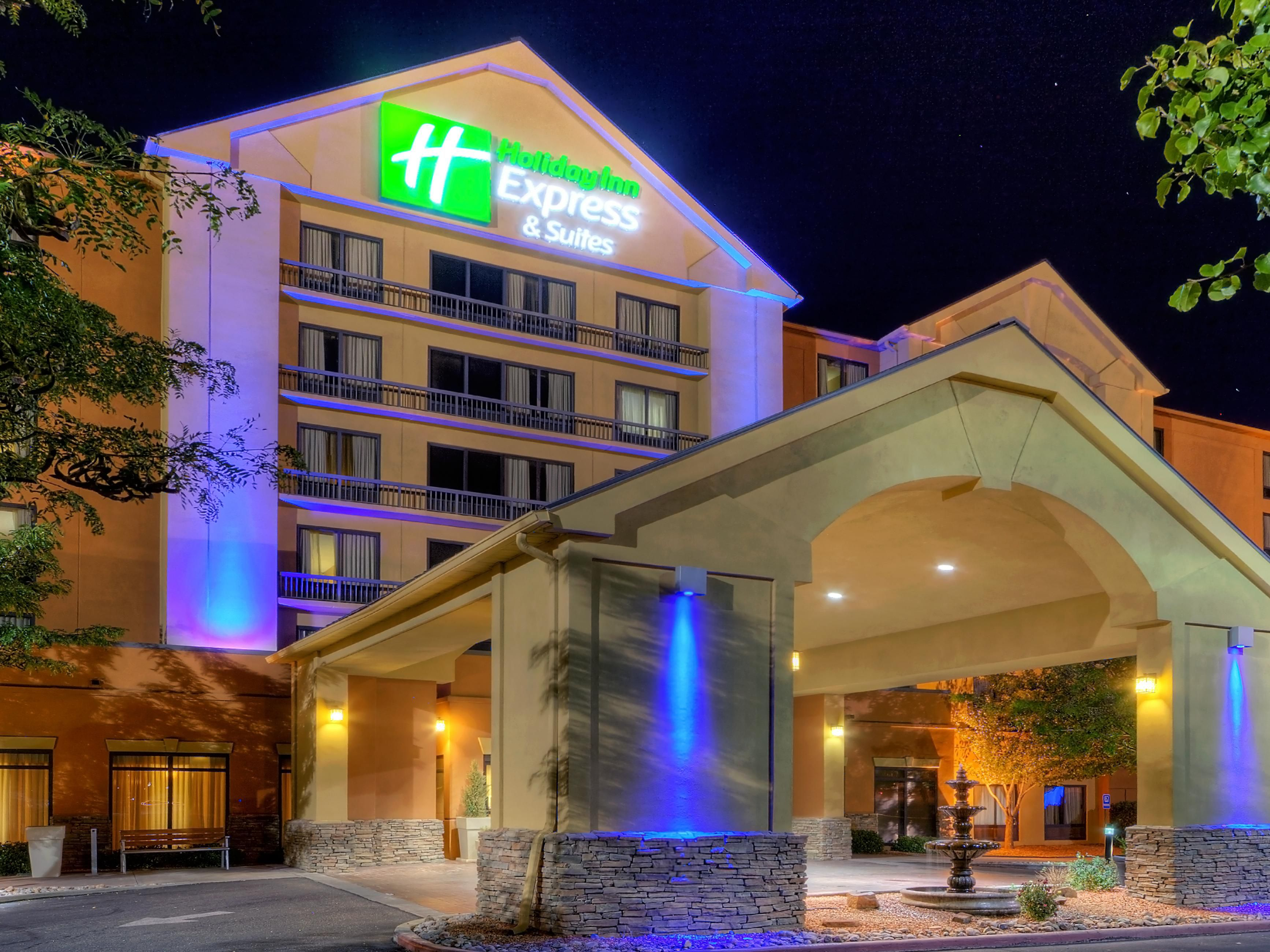 Albuquerque Holiday Inn Express-Midtown Hotel Exterior