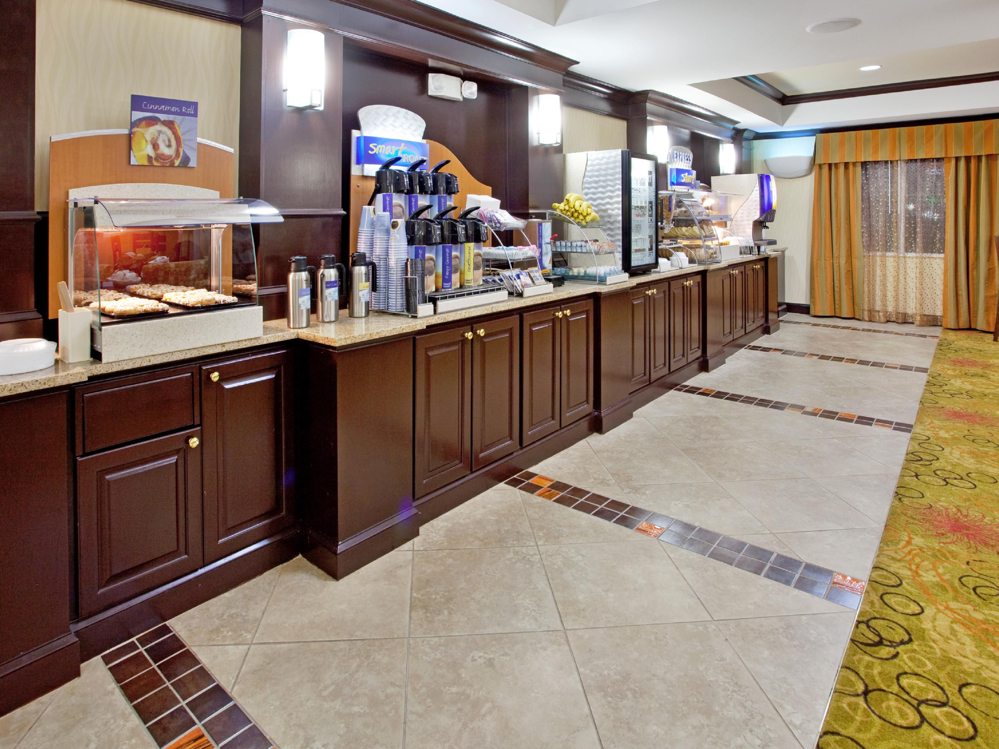 Hot breakfast at the Holiday Inn Express & Suites Anderson exit19b