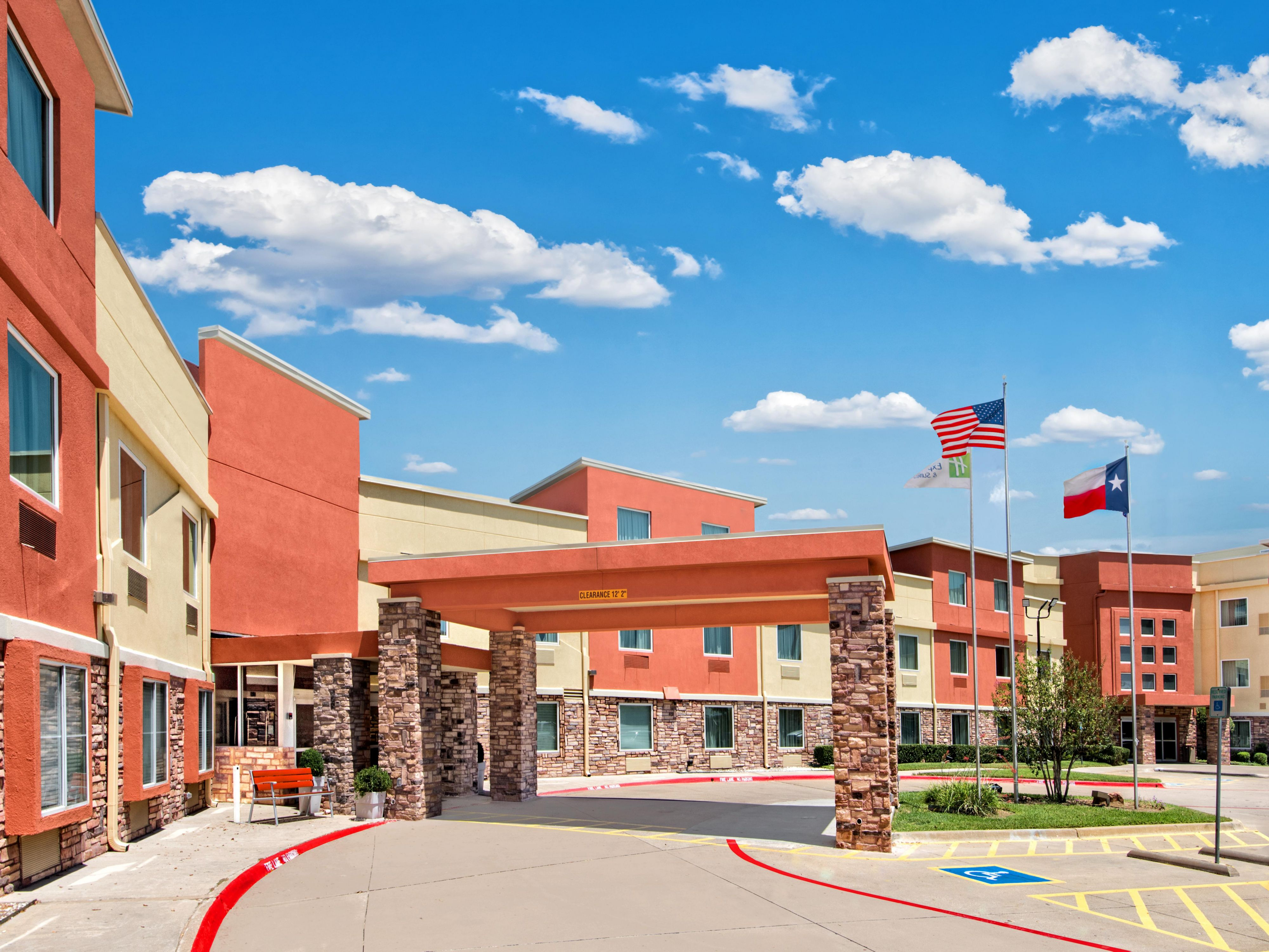 Holiday Inn Express Suites Arlington Six Flags Area Book Your Stay In
