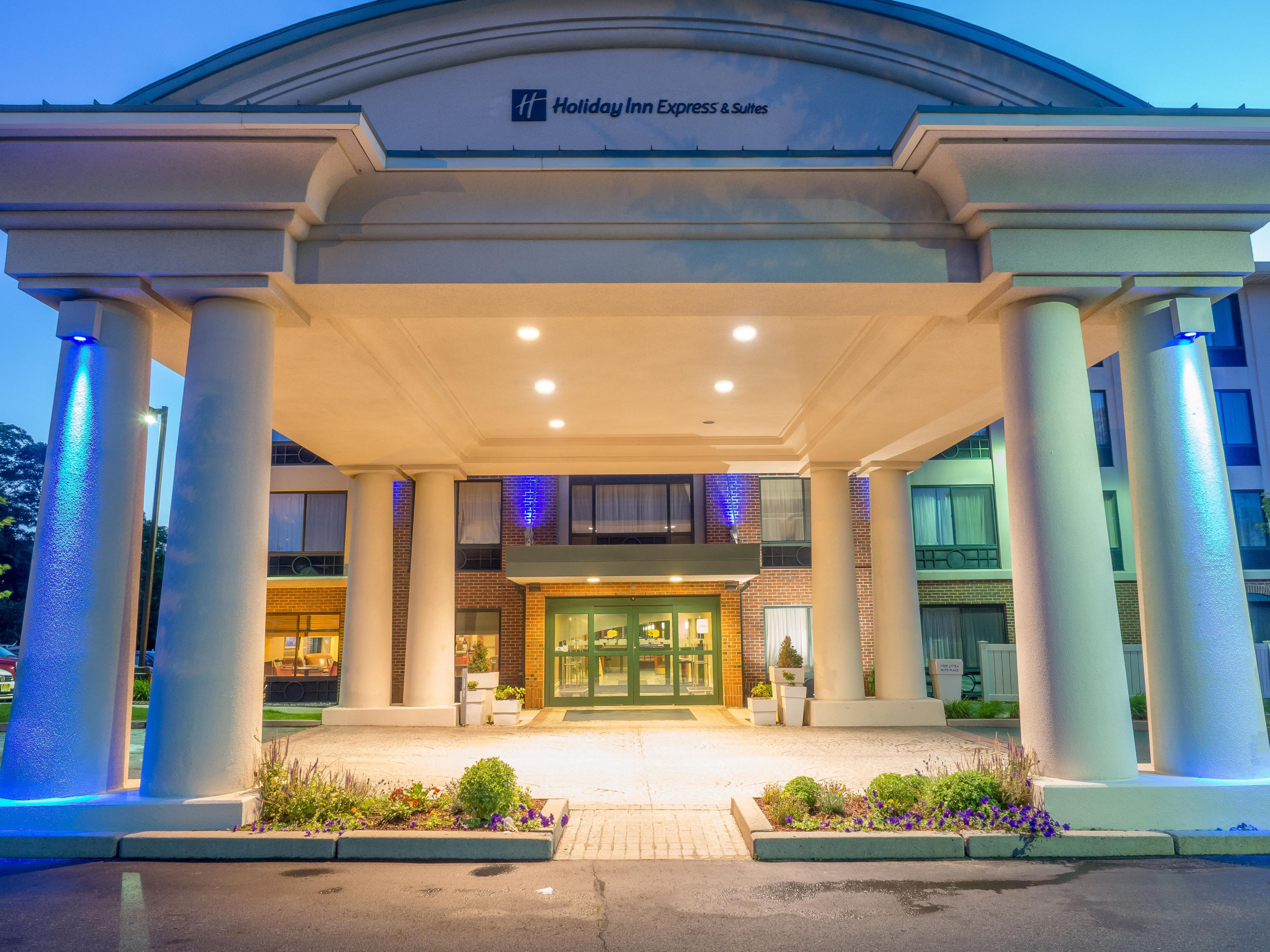 Holiday inn express suites auburn hotel by ihg