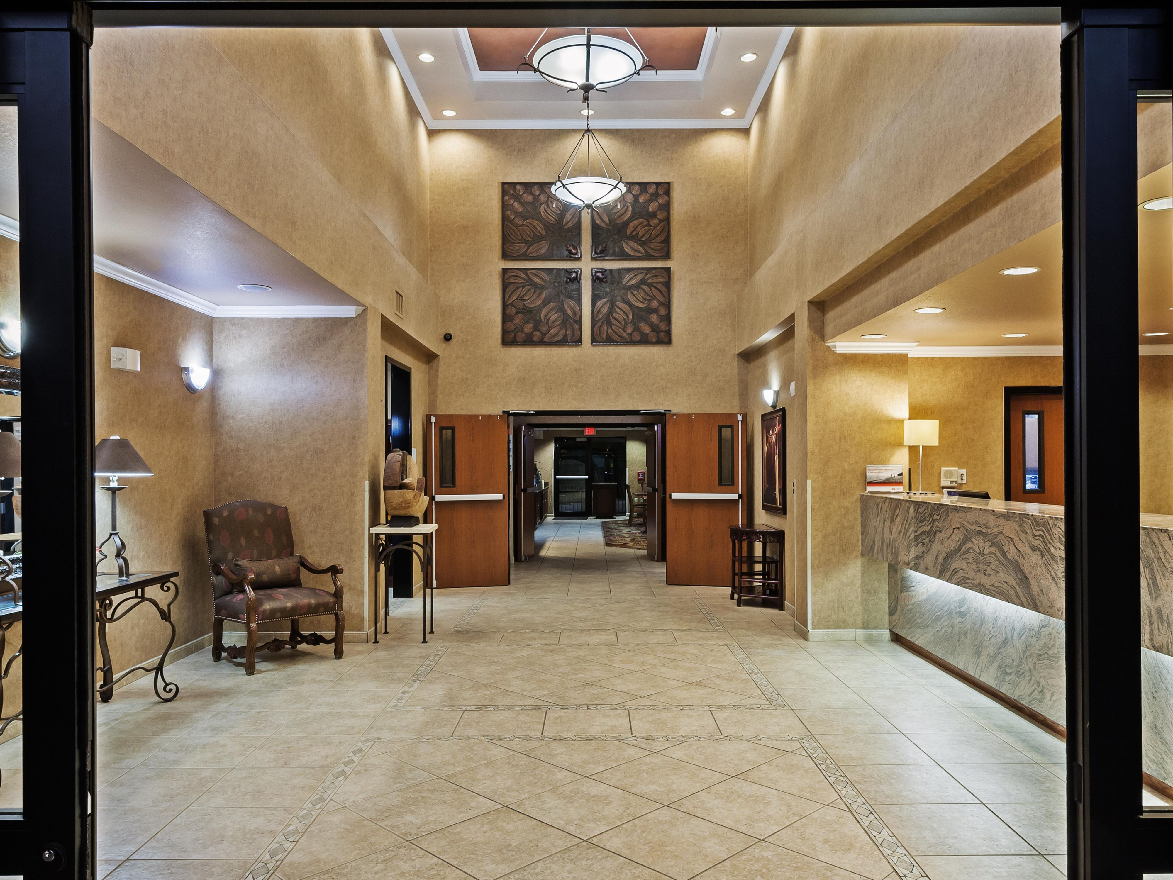 Enter the hotel through our stylish Lobby