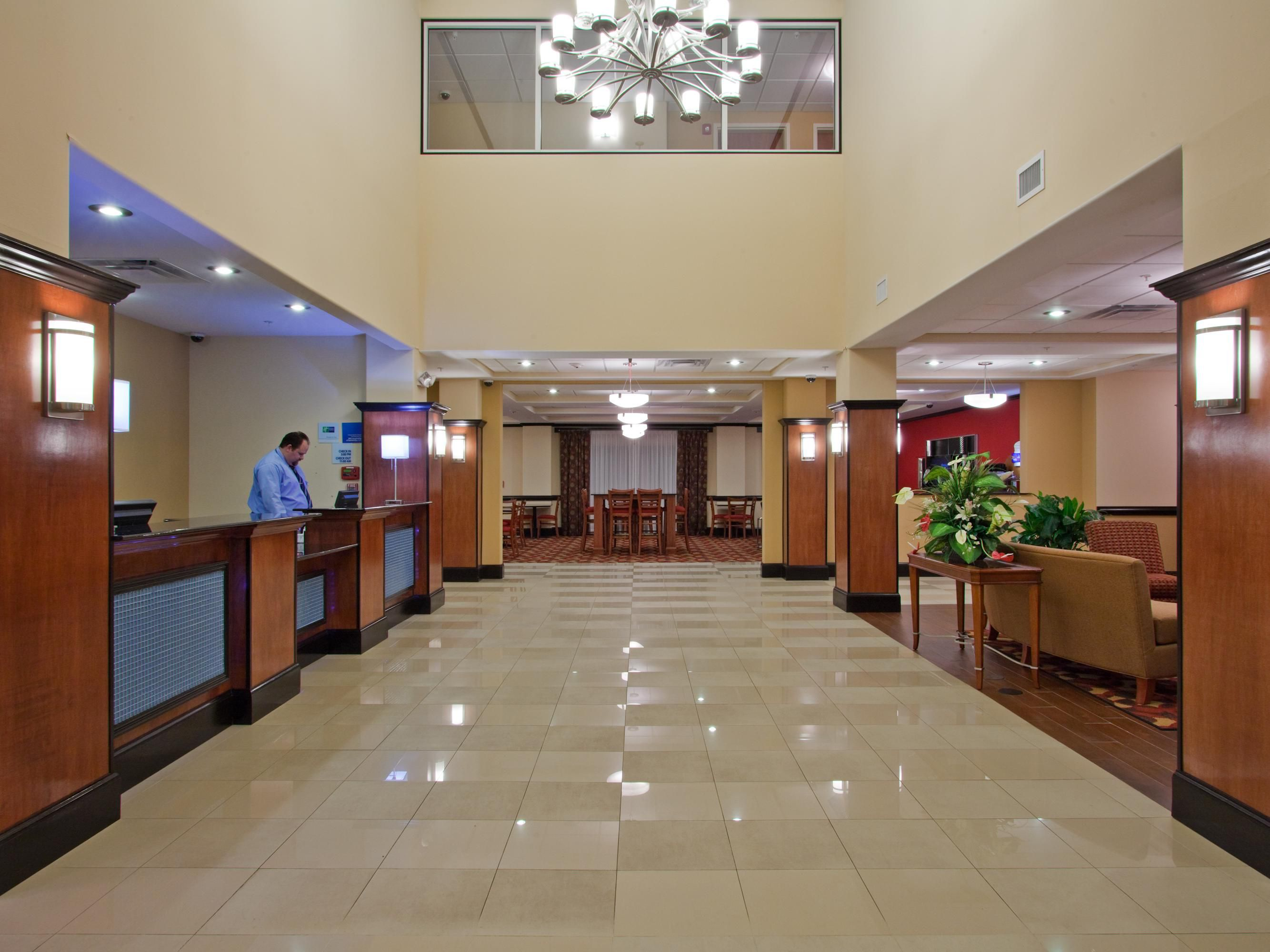 Holiday Inn Express Bainbridge, GA Lobby Entrance