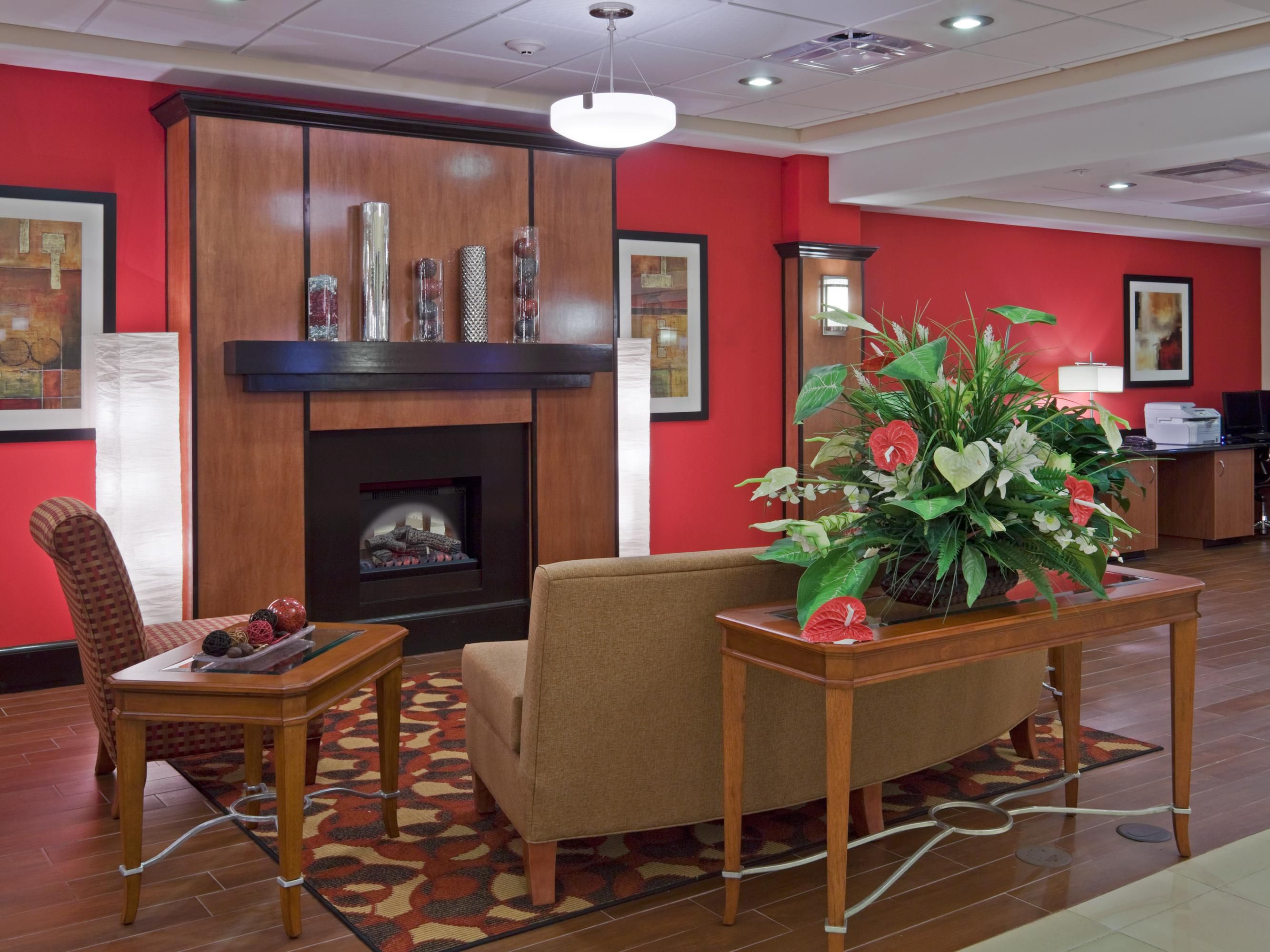 Holiday Inn Express Bainbridge, GA lobby Seating Area