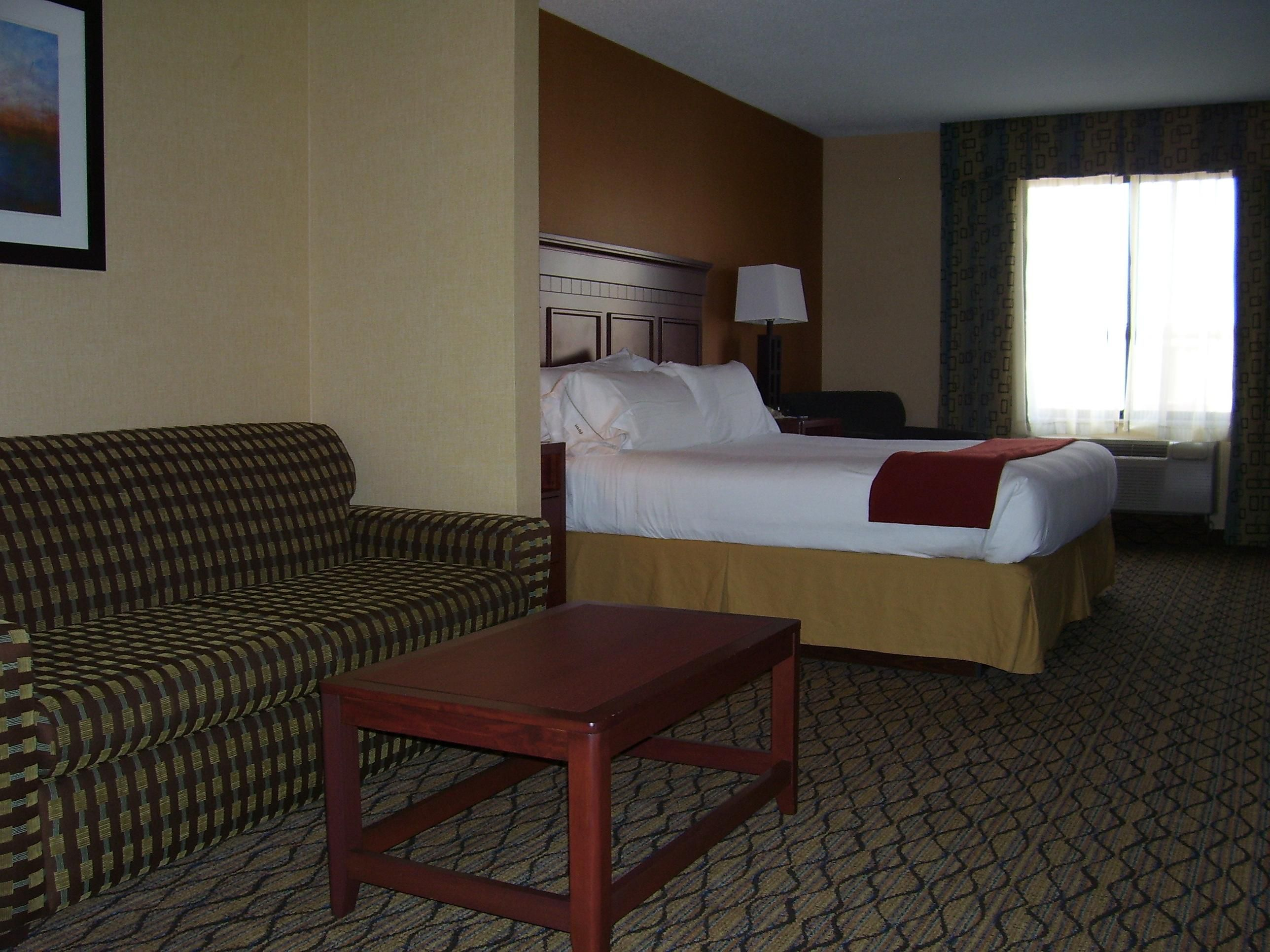 MIni Suite with King Size Bed