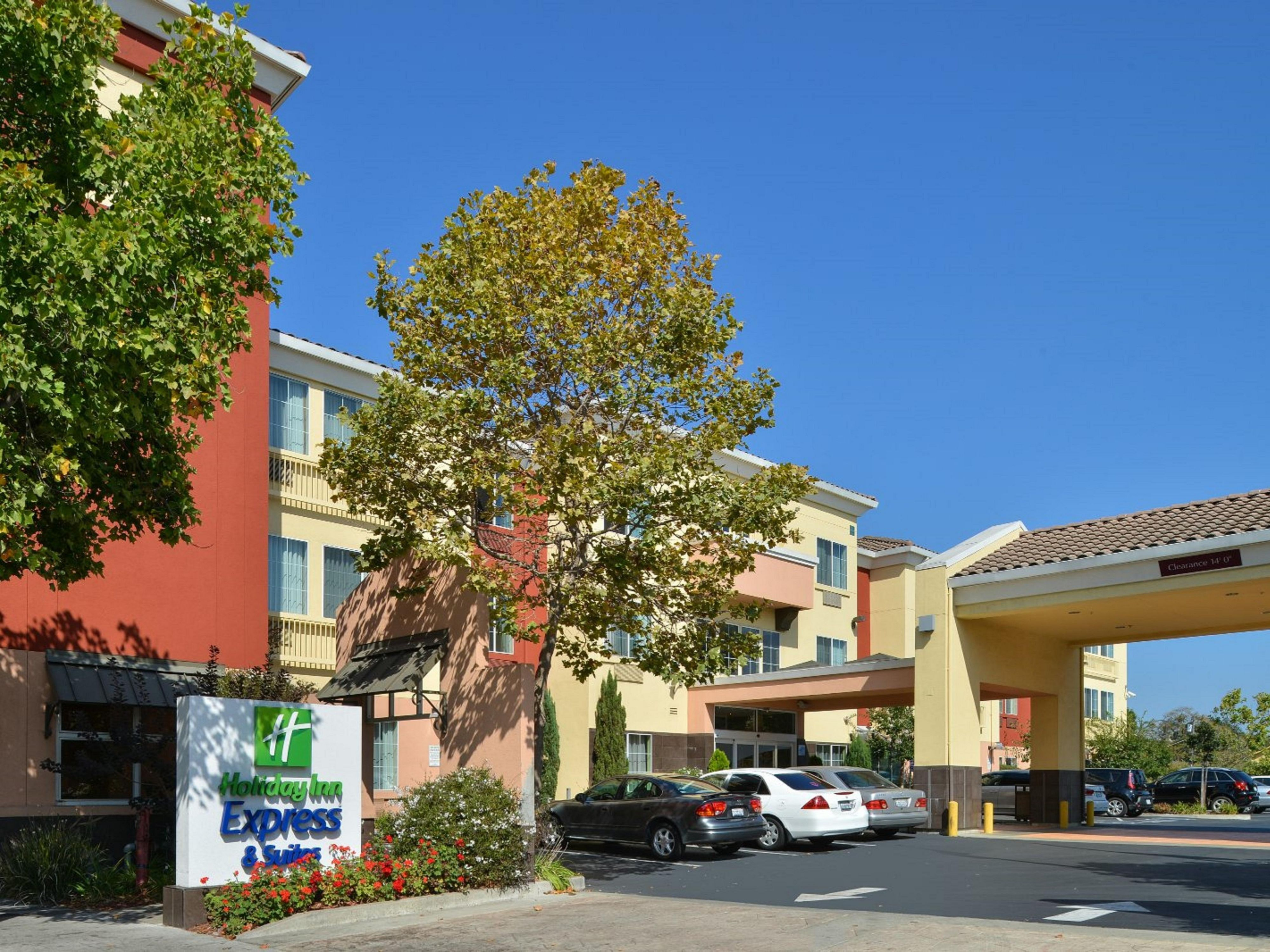 Affordable Hotels Near UC Berkeley CA | Holiday Inn Express ... on