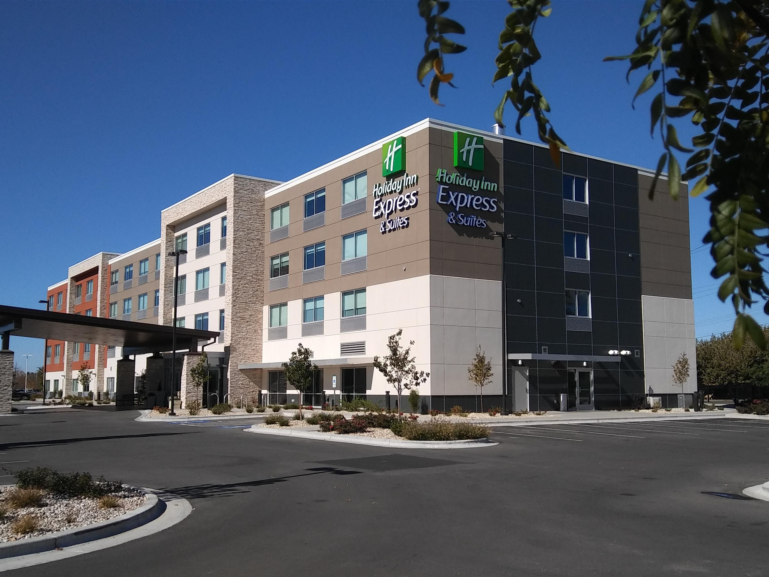 holiday inn express suites boise airport hotel by ihg