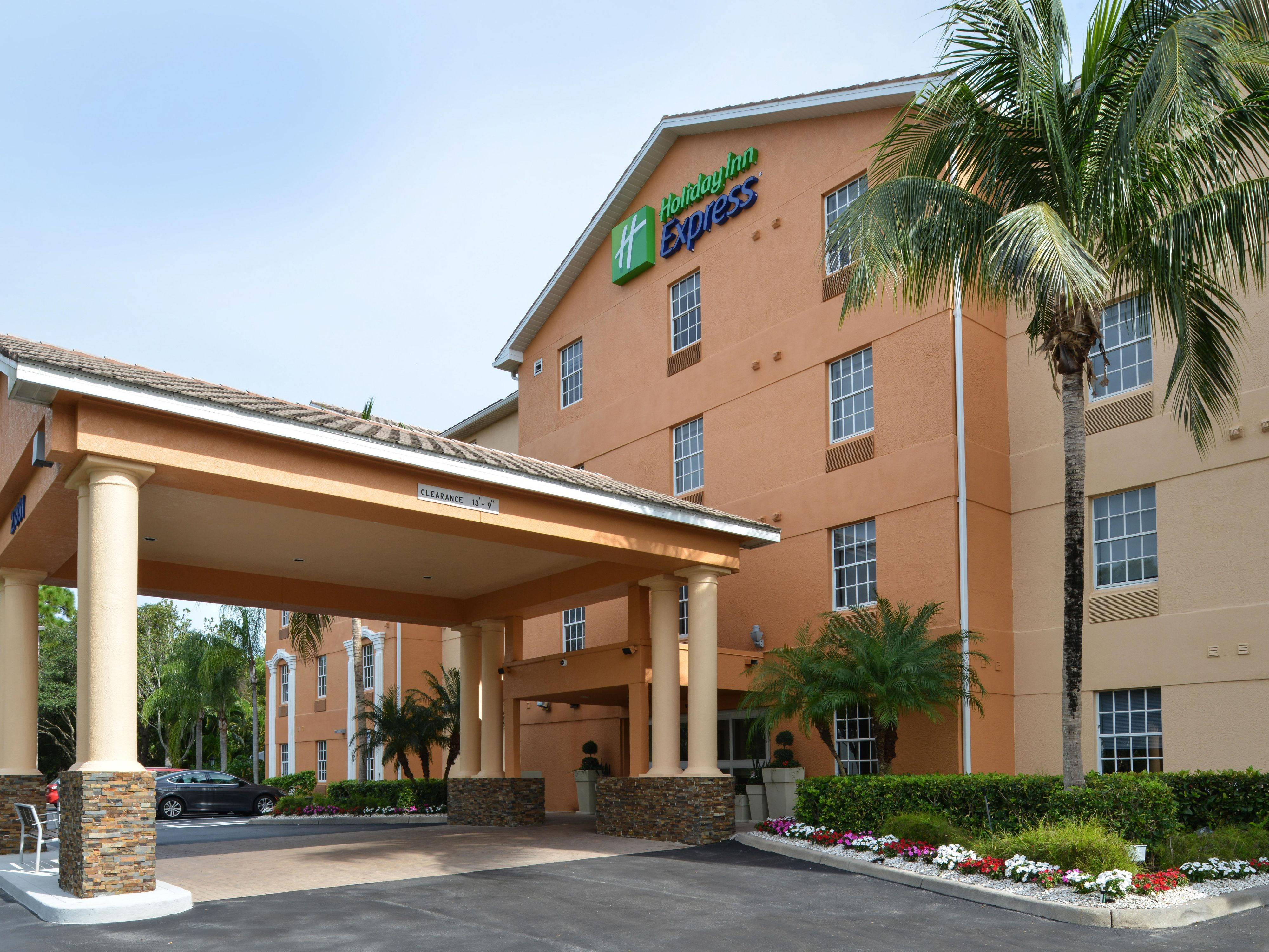 Holiday Inn Express & Suites Bonita Springs
