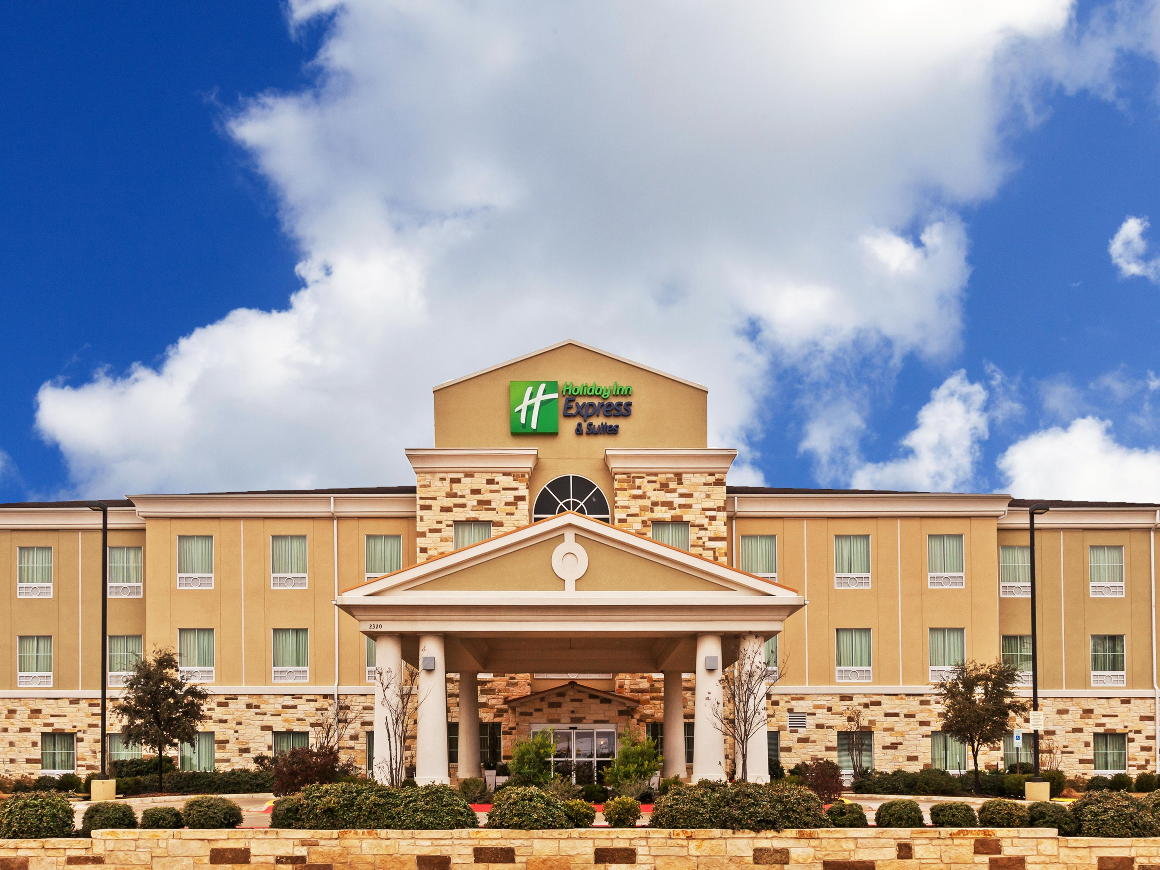 Welcome to the Holiday Inn Express & Suites Brady!