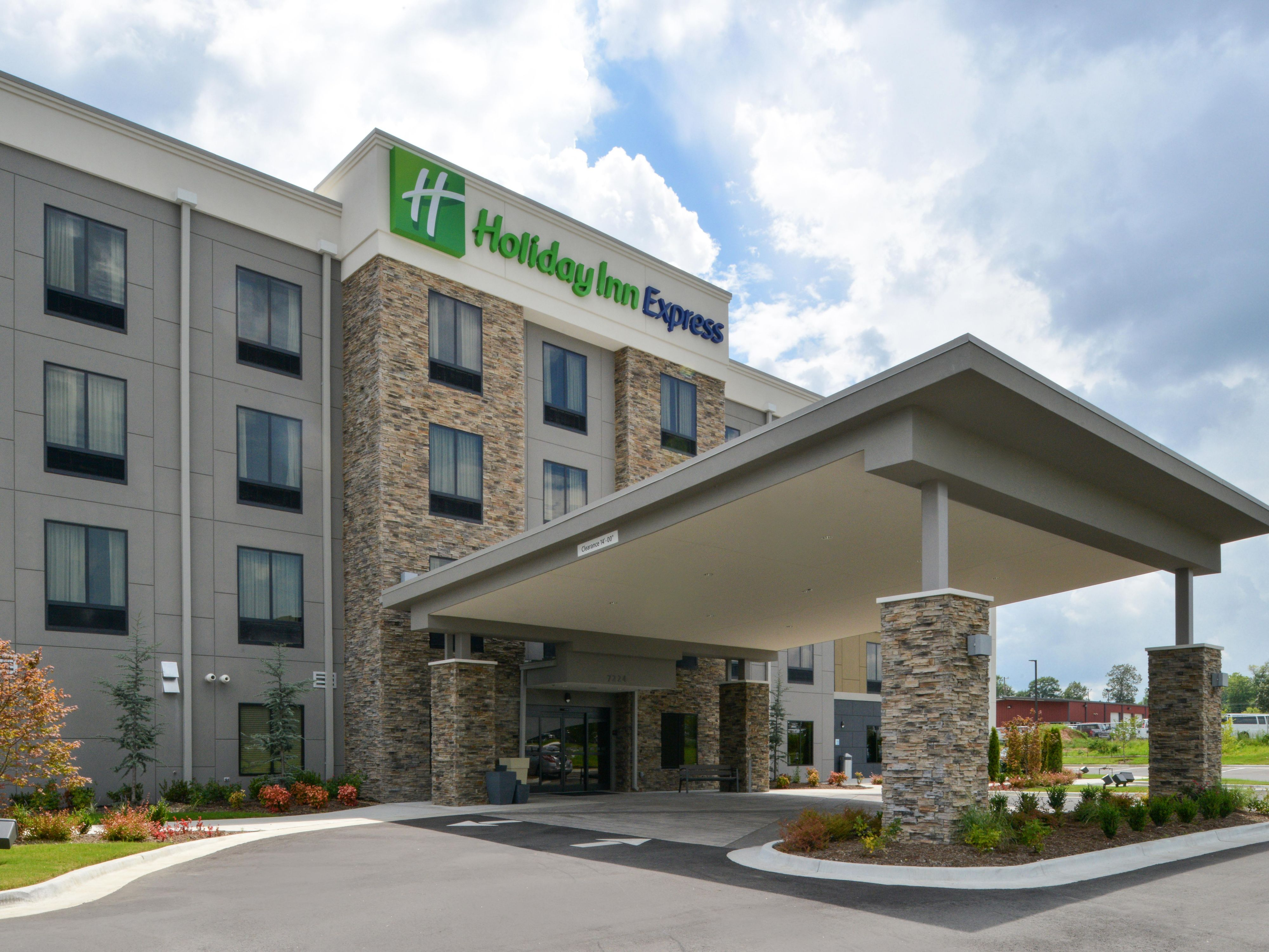 Holiday Inn Express Suites Bryant Benton Area Hotel By Ihg
