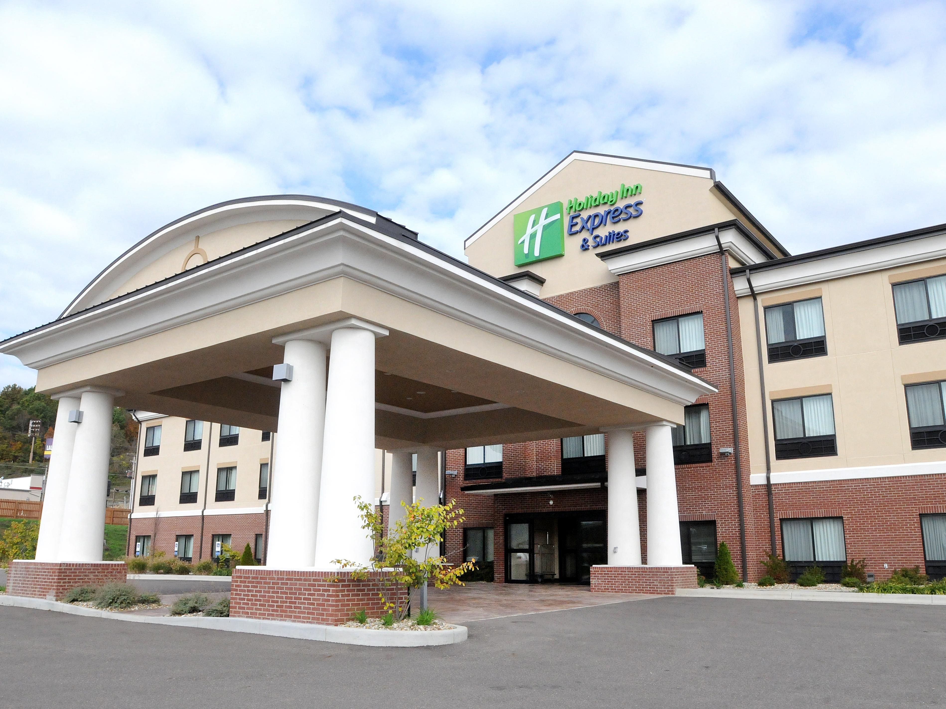 Holiday Inn Express Suites Cambridge