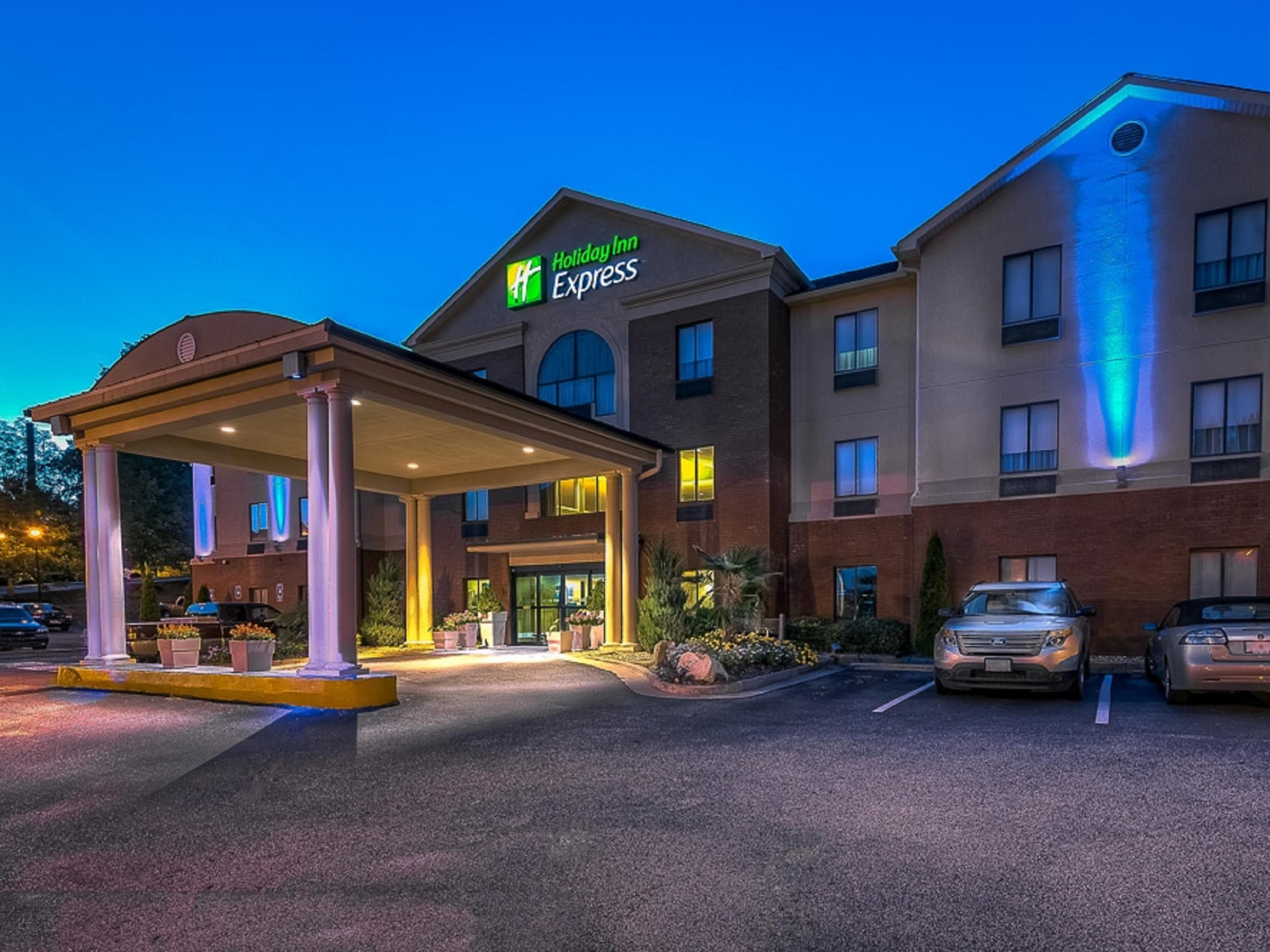 holiday inn express suites canton hotel by ihg