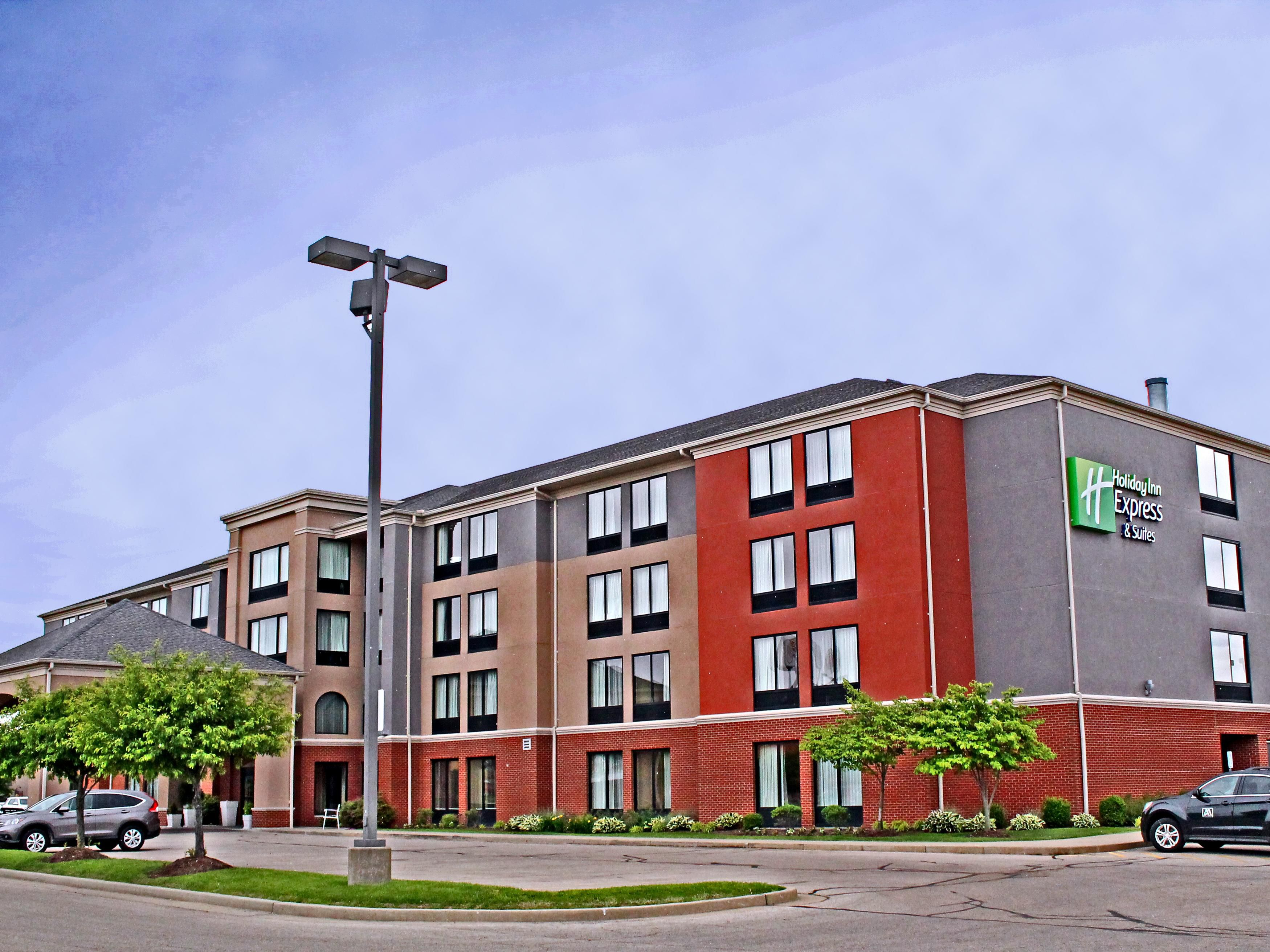Welcome to the Holiday Inn & Suites Cape Girardeau!