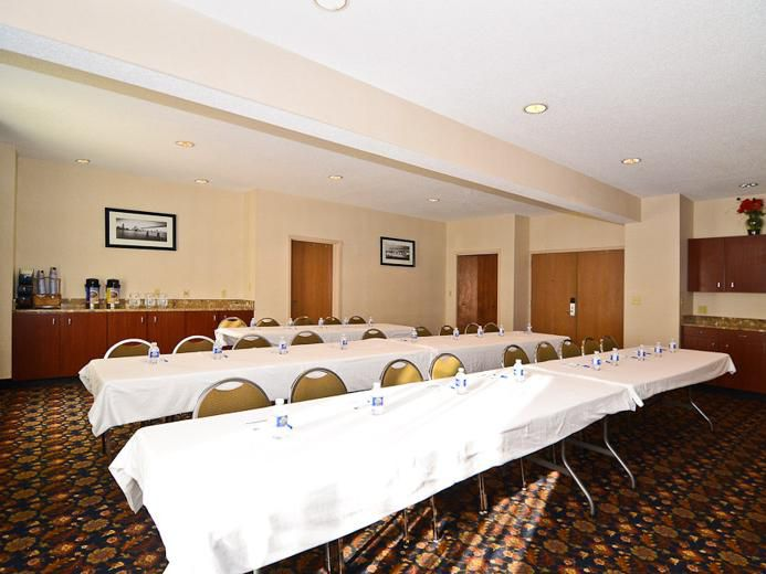 Meeting space is available for meetings and social fuinctions.