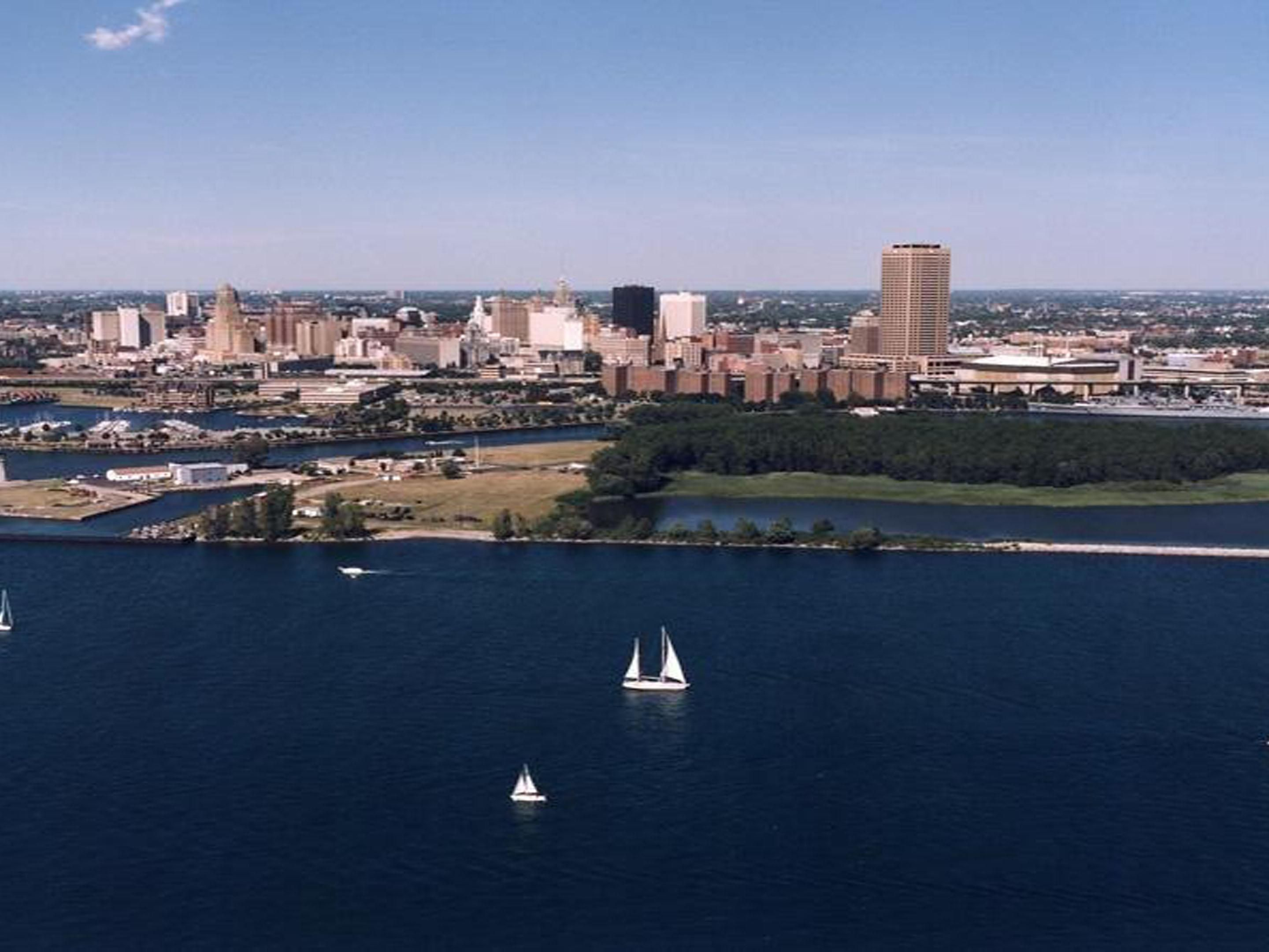 Easy drive to Downtown Buffalo, New York