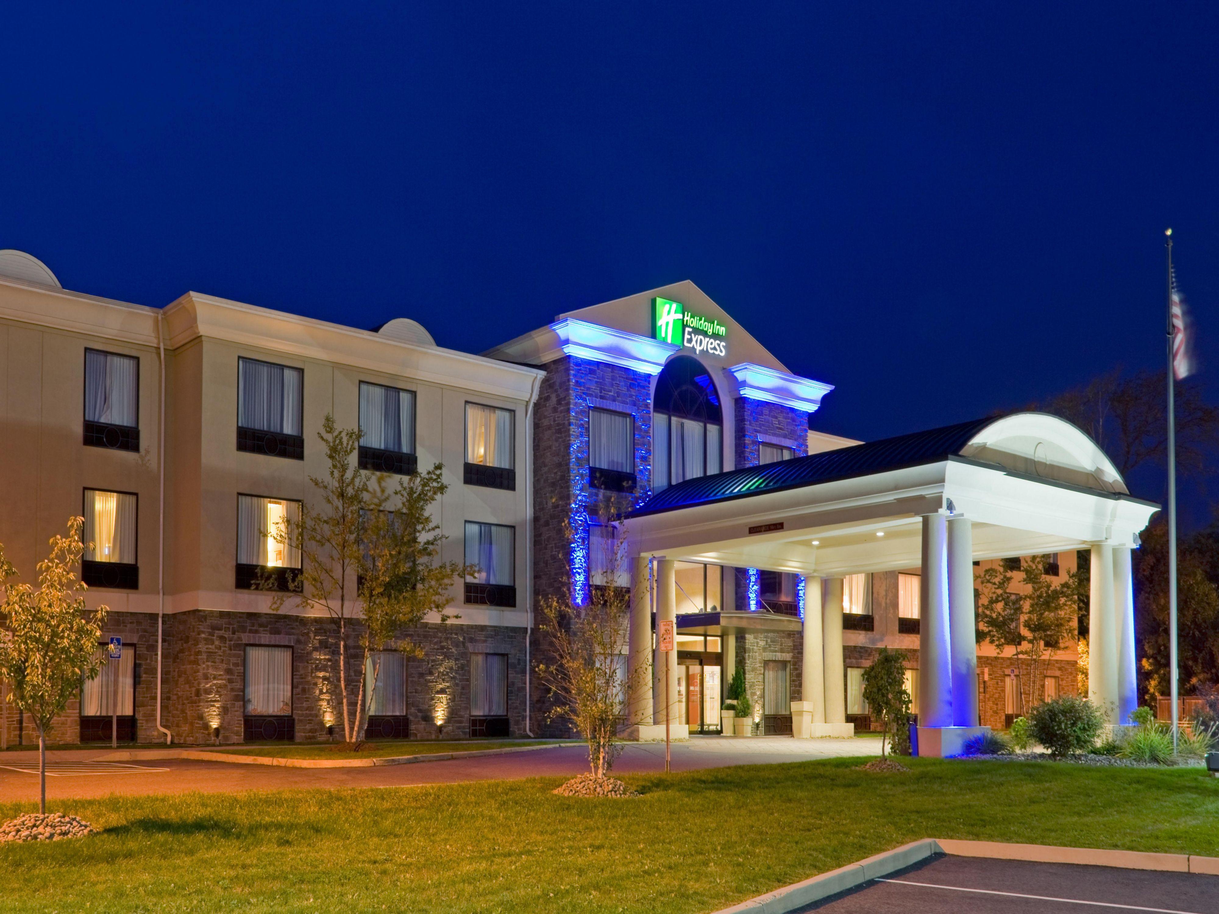 Holiday Inn Express Suites Chester Monroe Goshen