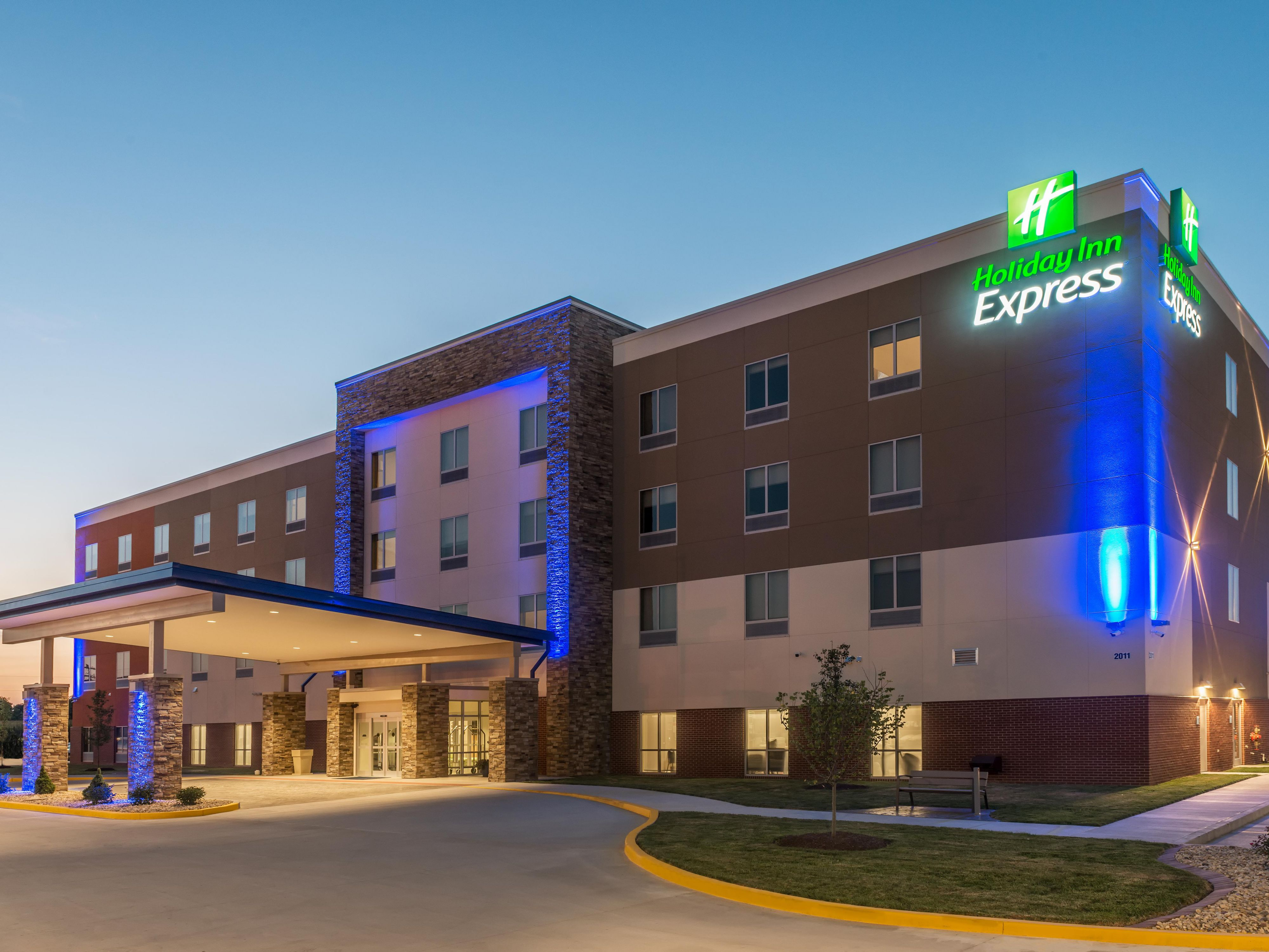 holiday inn express & suites st. louis - chesterfield ihg hotel