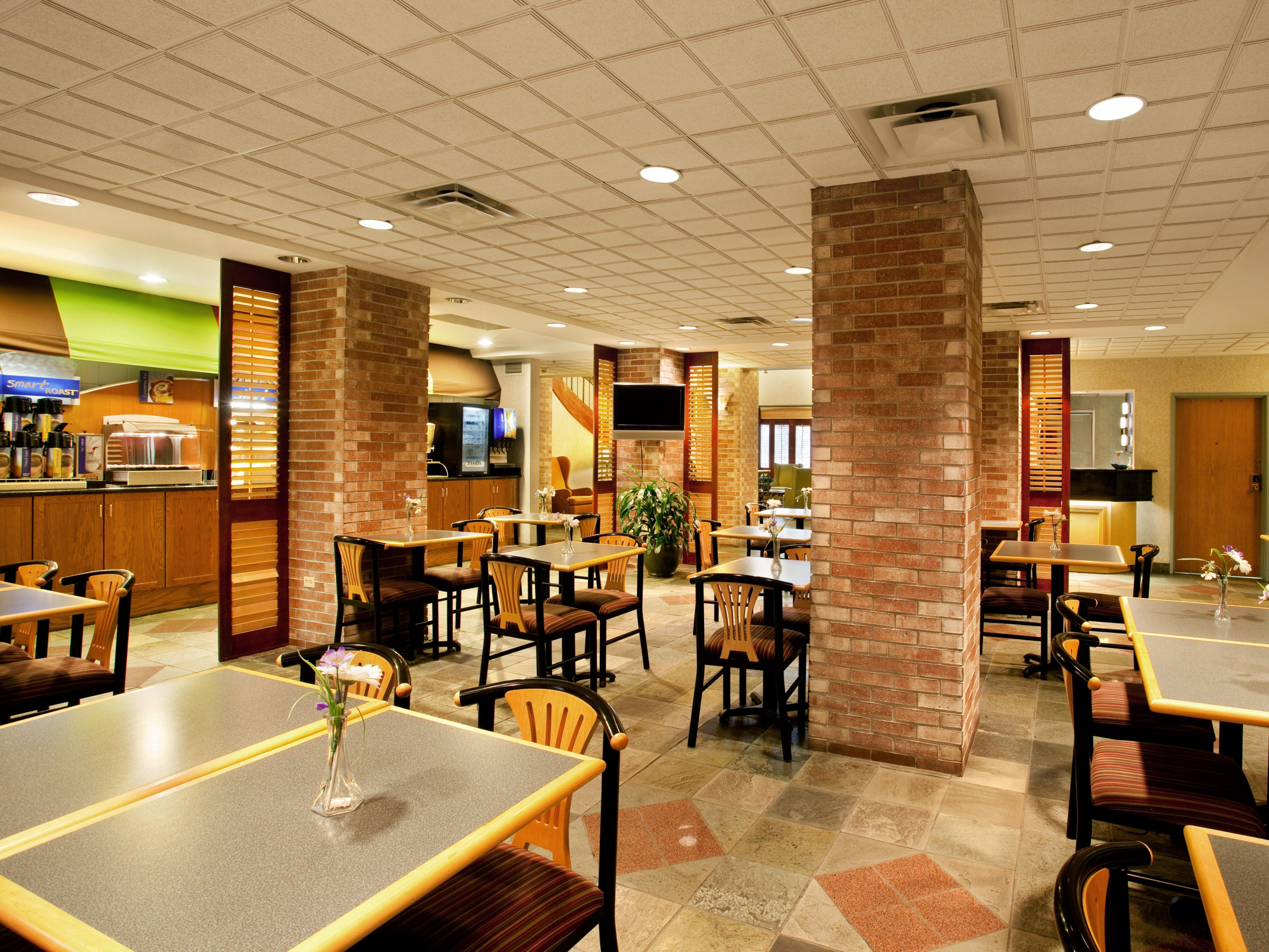 Complimentary Hot Breakfast near Midway Airport