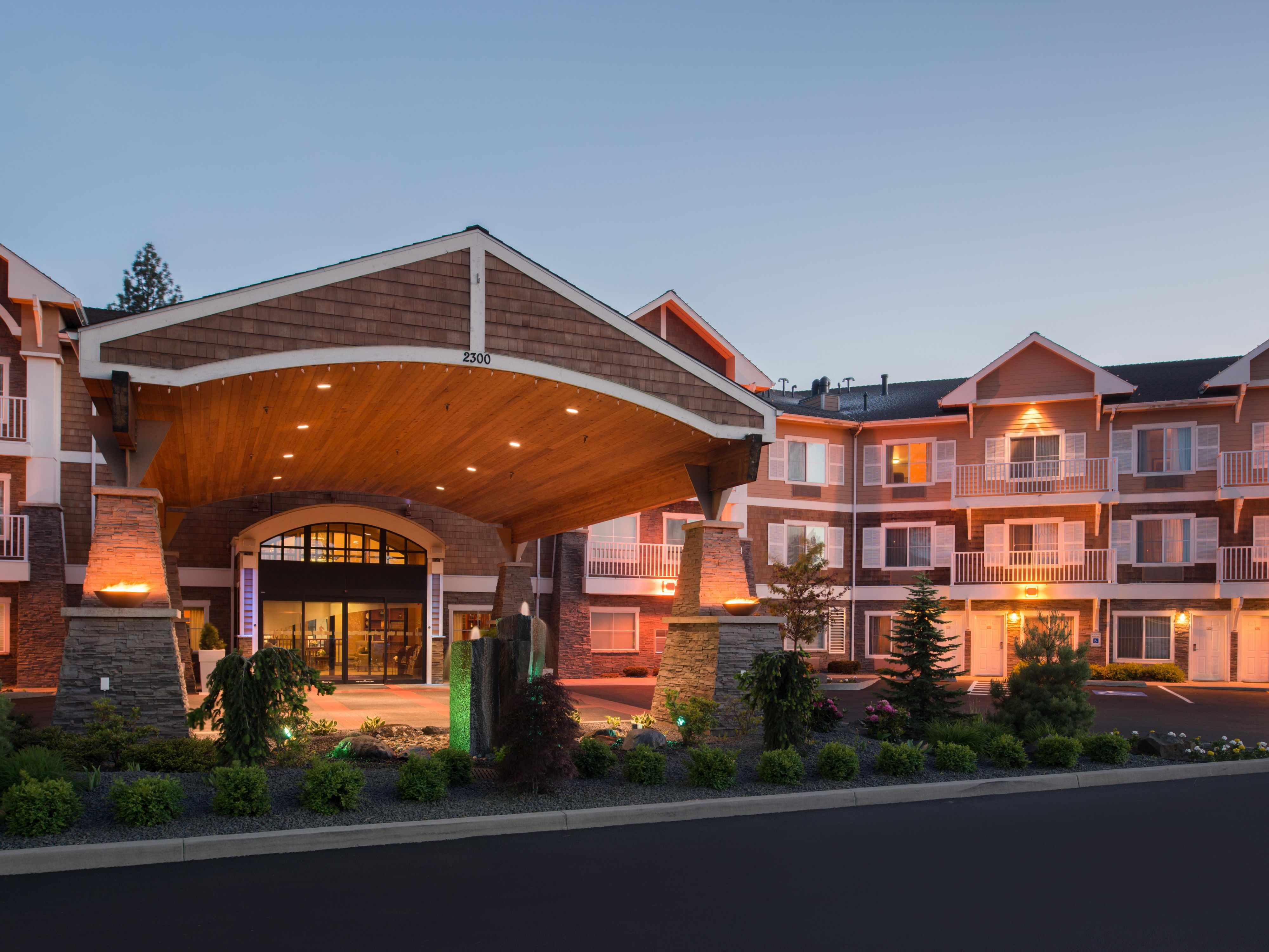 holiday inn express suites coeur d alene i 90 exit 11 hotel by ihg rh ihg com hotels in coeur d'alene idaho with pools hotels in coeur d'alene idaho with pools