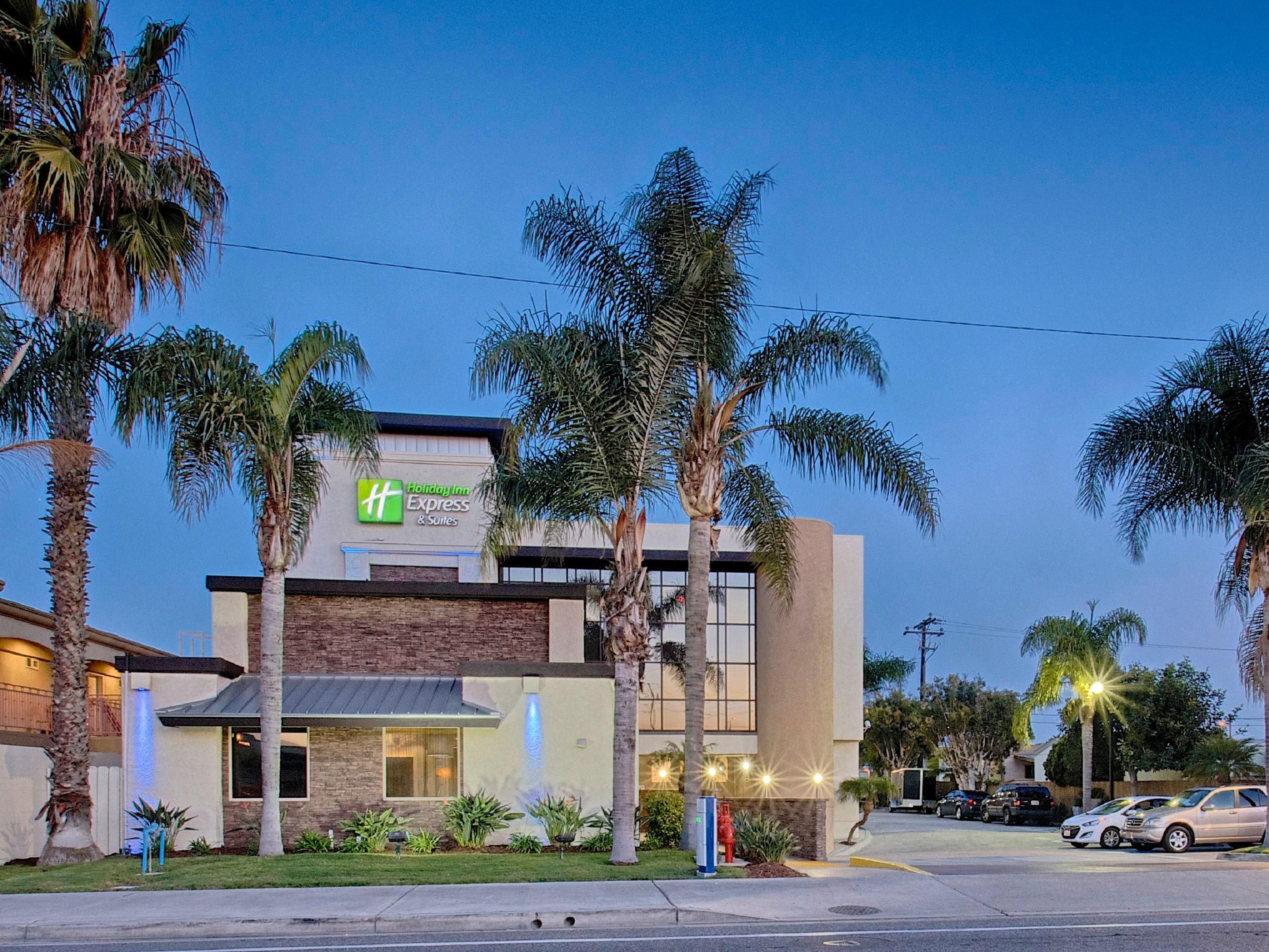 Fully Remodeled Holiday Inn Express Hotel Near Newport Beach