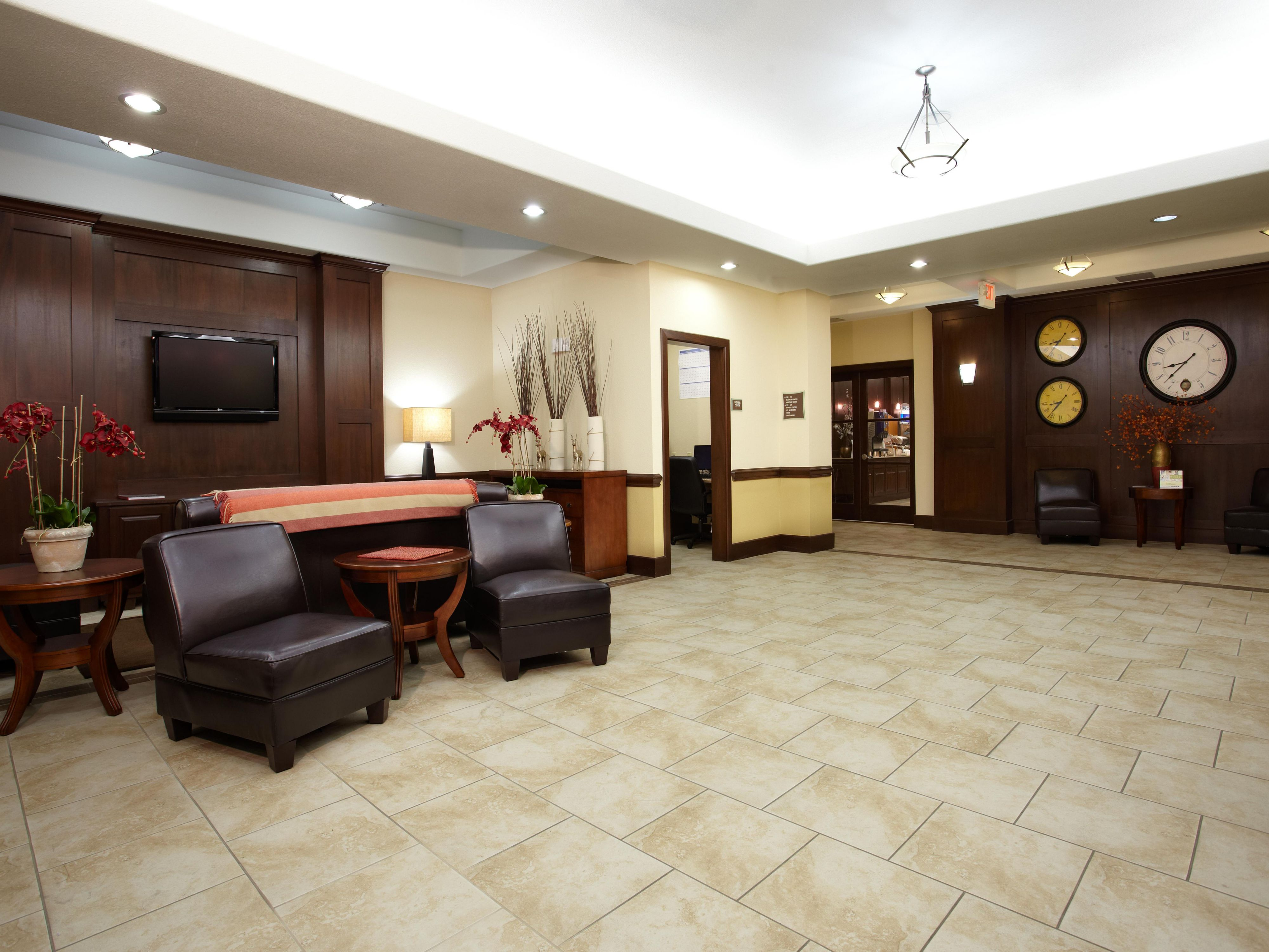 Comfortable lobby at the best hotel in Deer Park