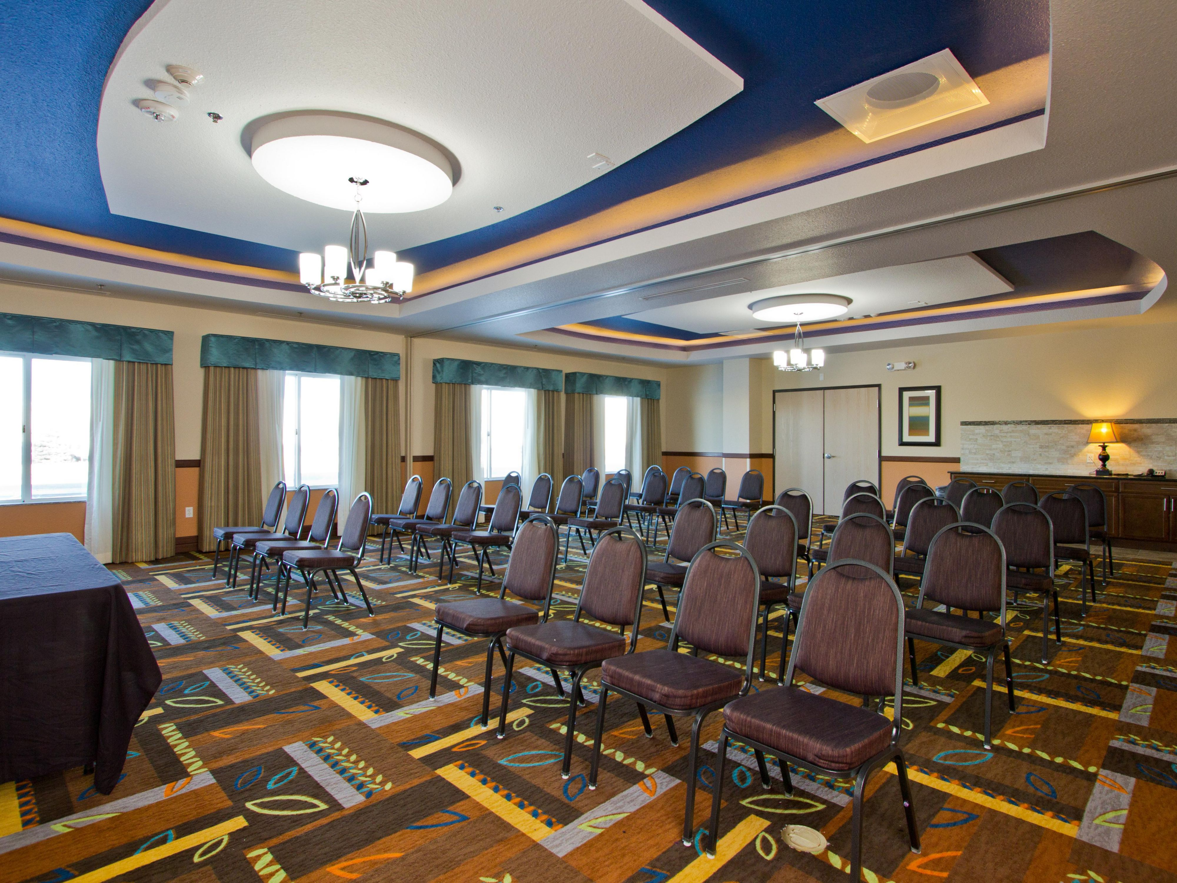 Holiday Inn Express and Suites Meeting & Banquet Space Free WiFi