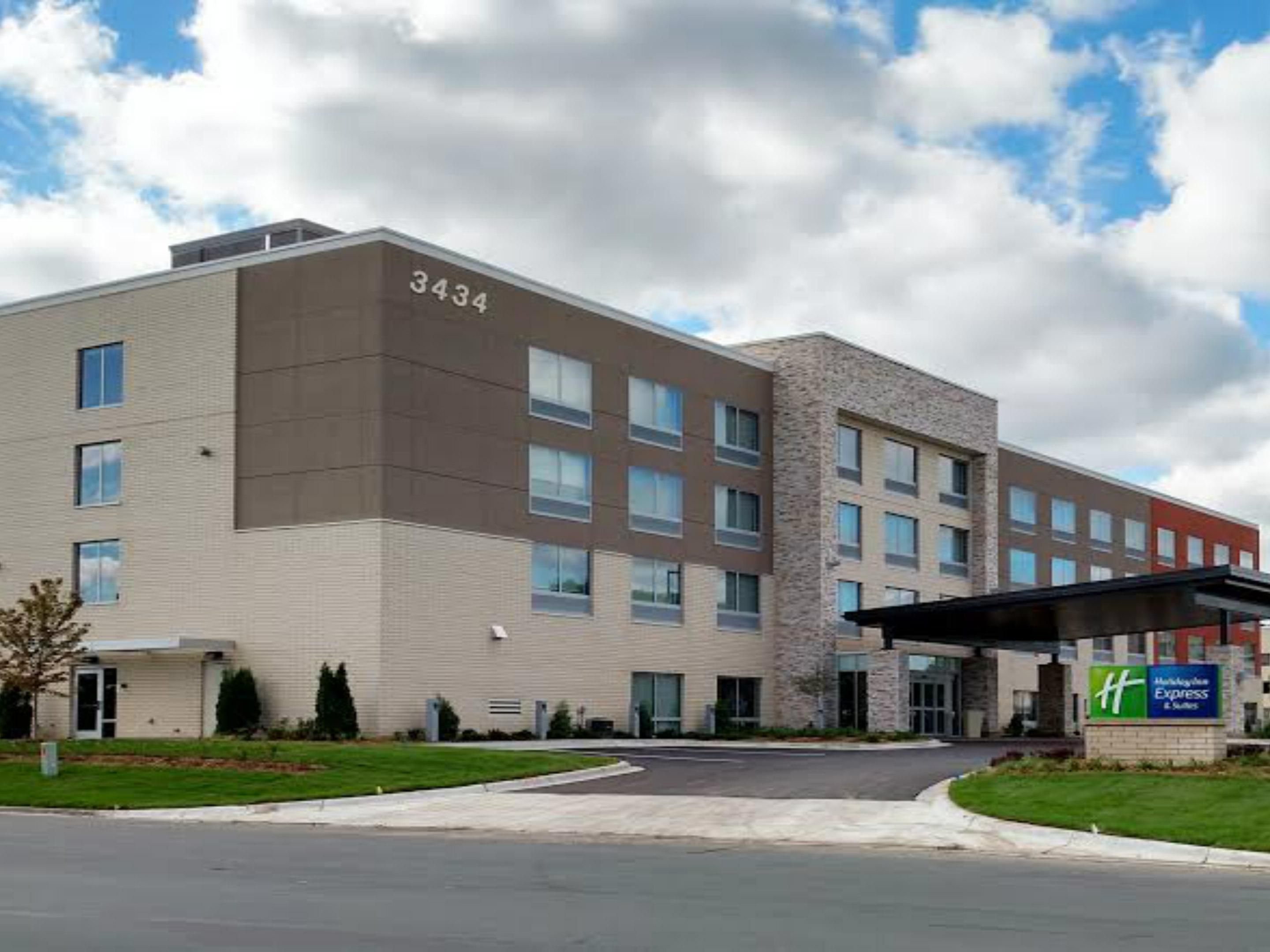 Holiday Inn Express U0026 Suites Eagan   Minneapolis Area Hotel By IHG