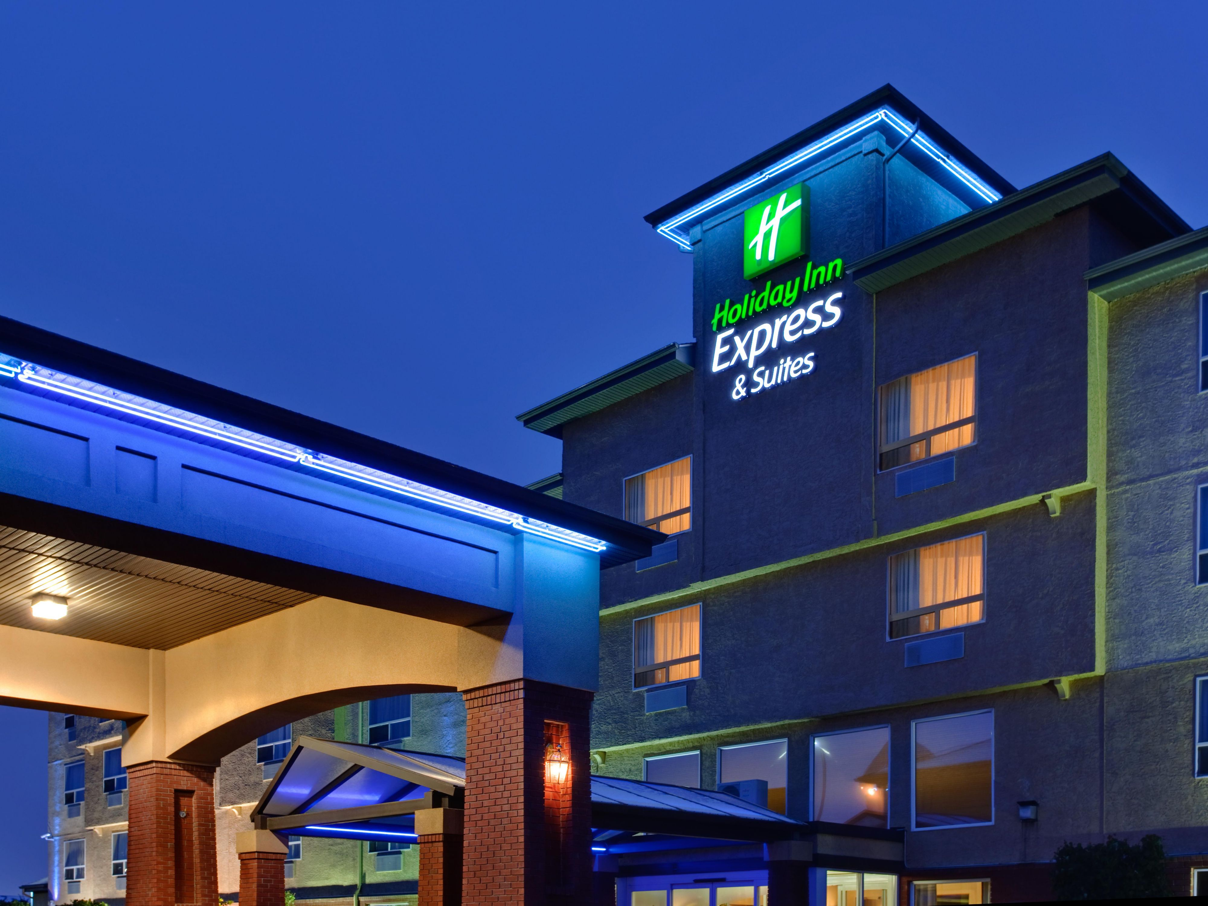 Holiday Inn Express & Suites Edmonton-At The Mall