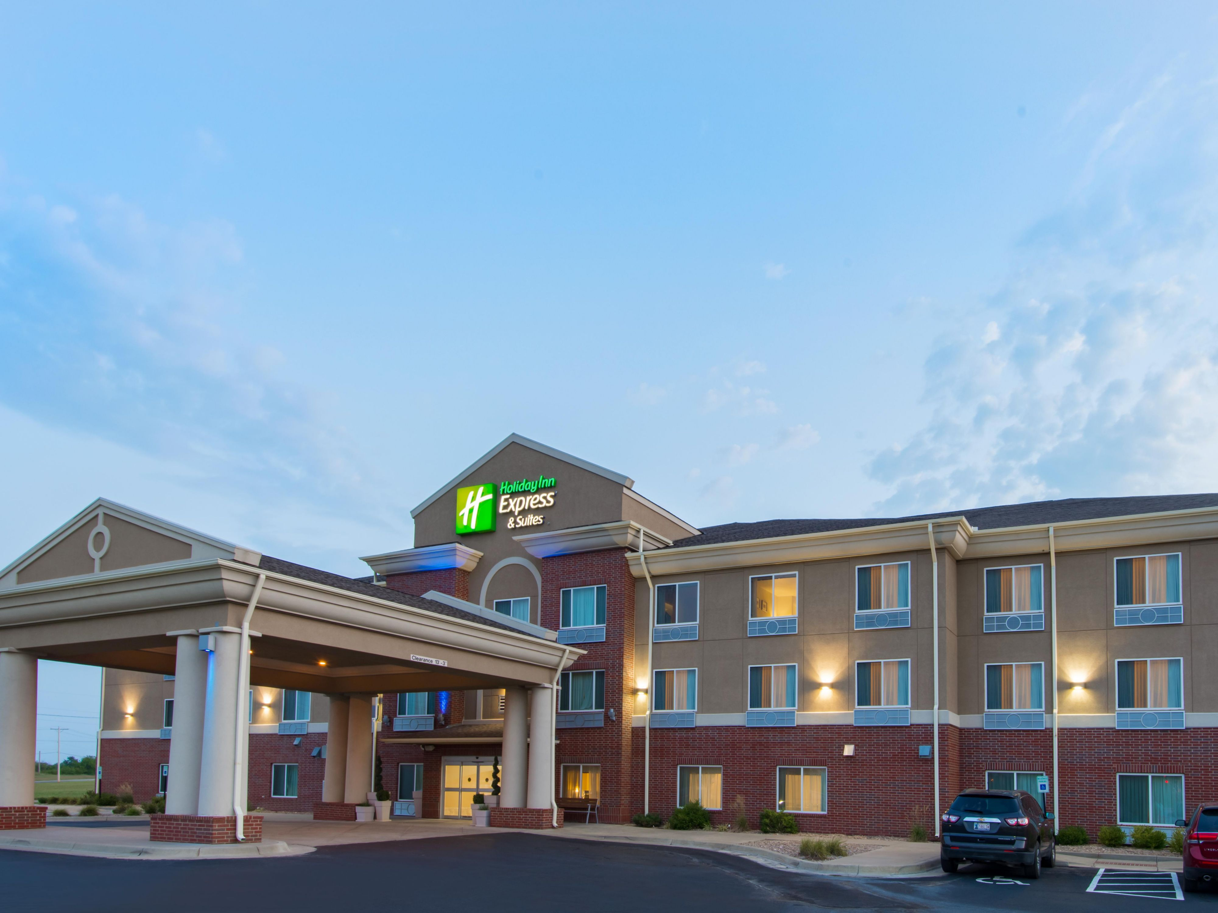 & Holiday Inn Express \u0026 Suites El Dorado KS Hotel by IHG