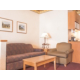 Holiday Inn Express & Suites Elko Suite seating area