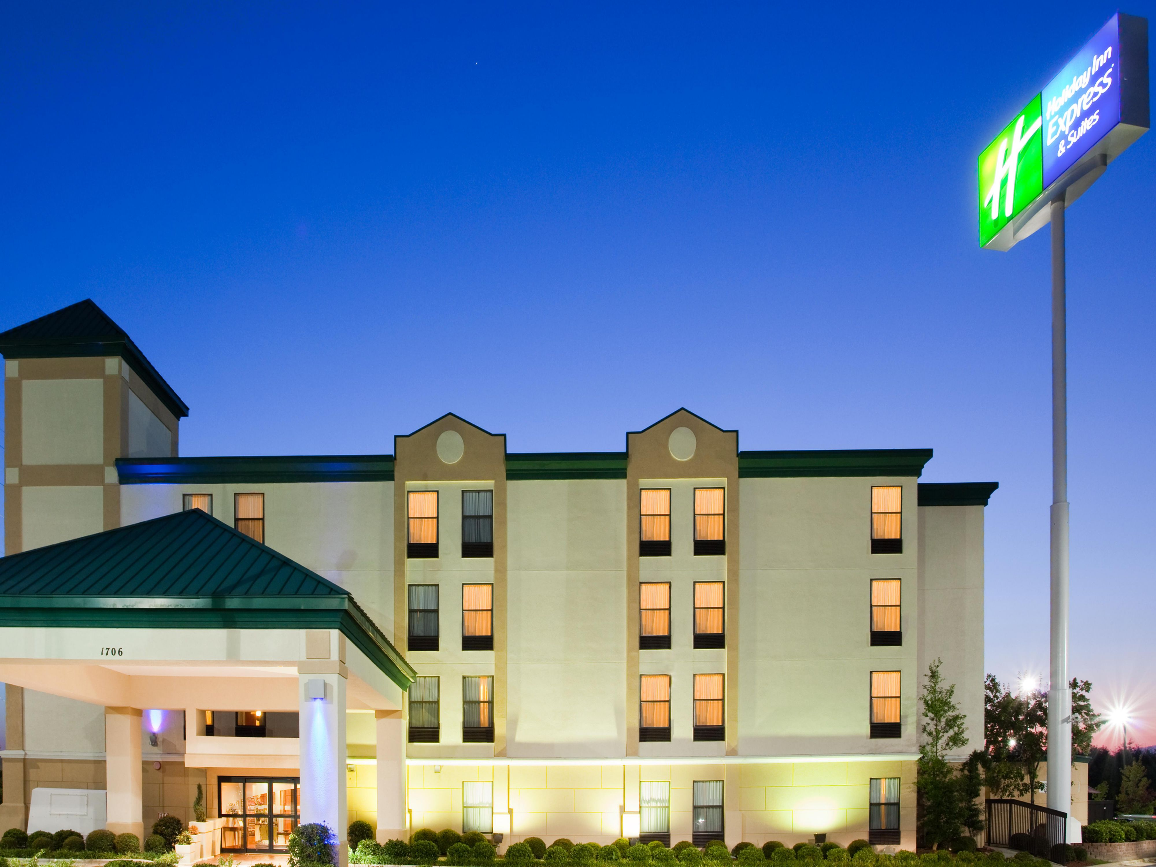 Holiday Inn Express Suites Fayetteville Ft Bragg