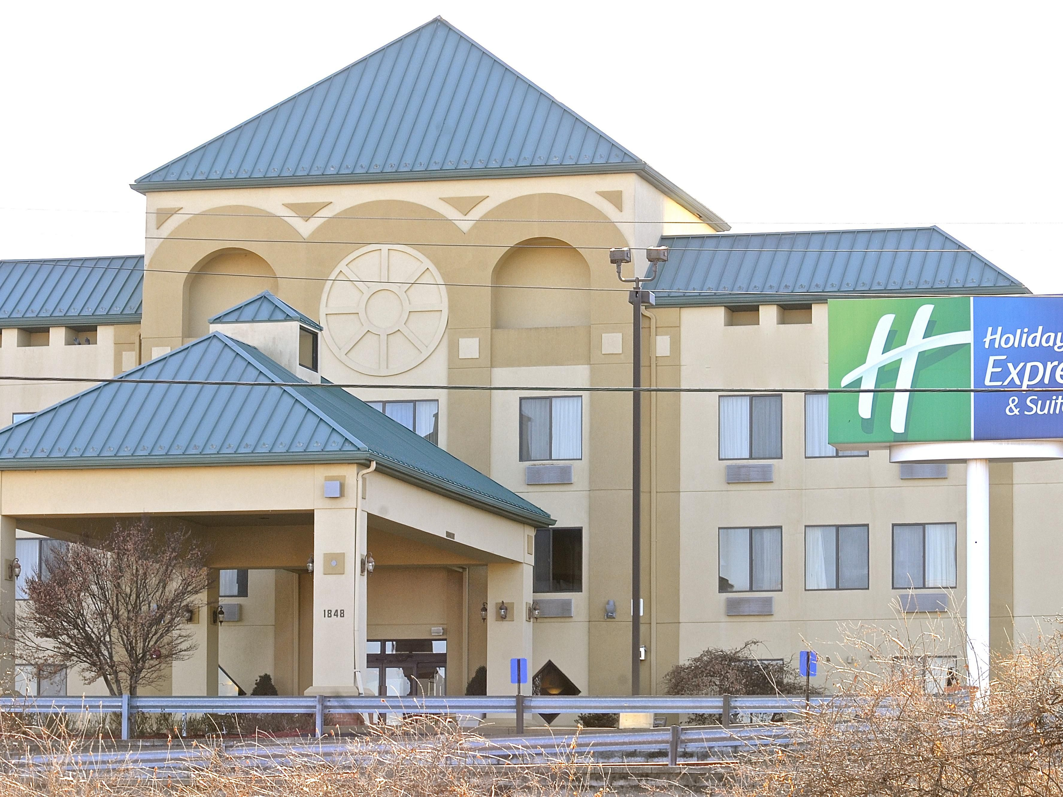 Holiday Inn Express Suites St Louis West Fenton In