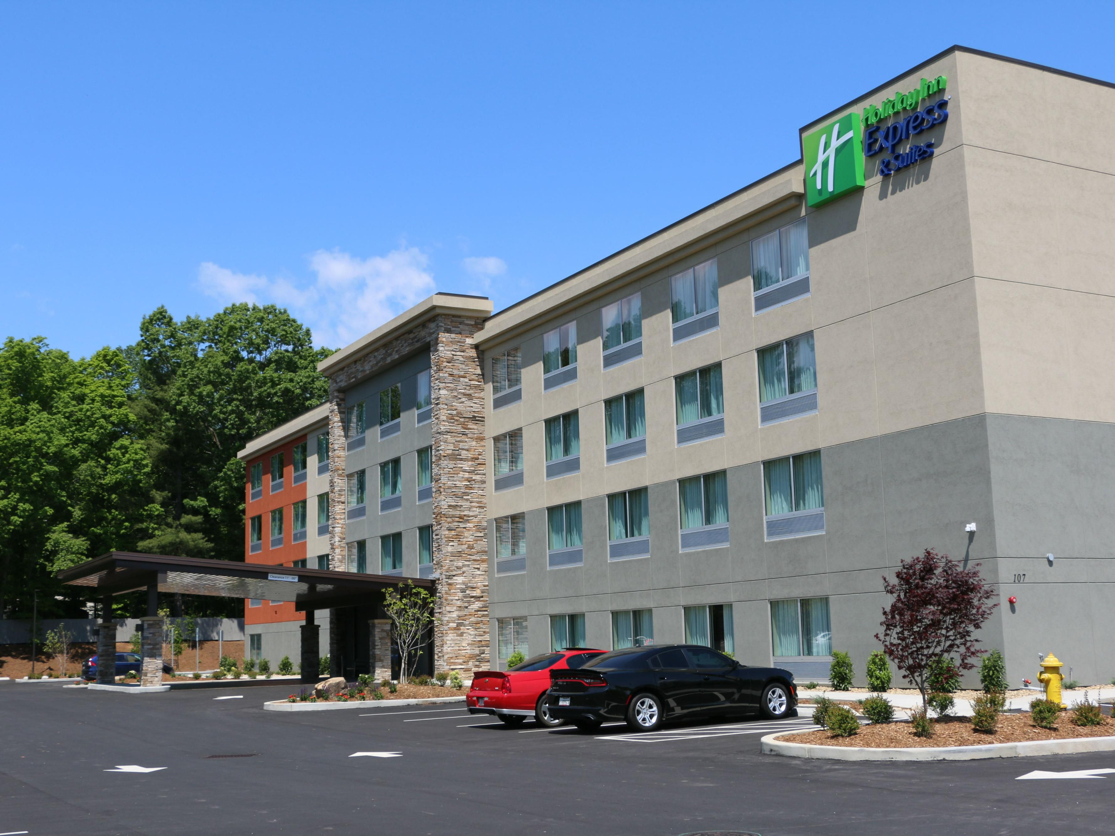 Holiday Inn Express Suites Hendersonville Se Flat Rock
