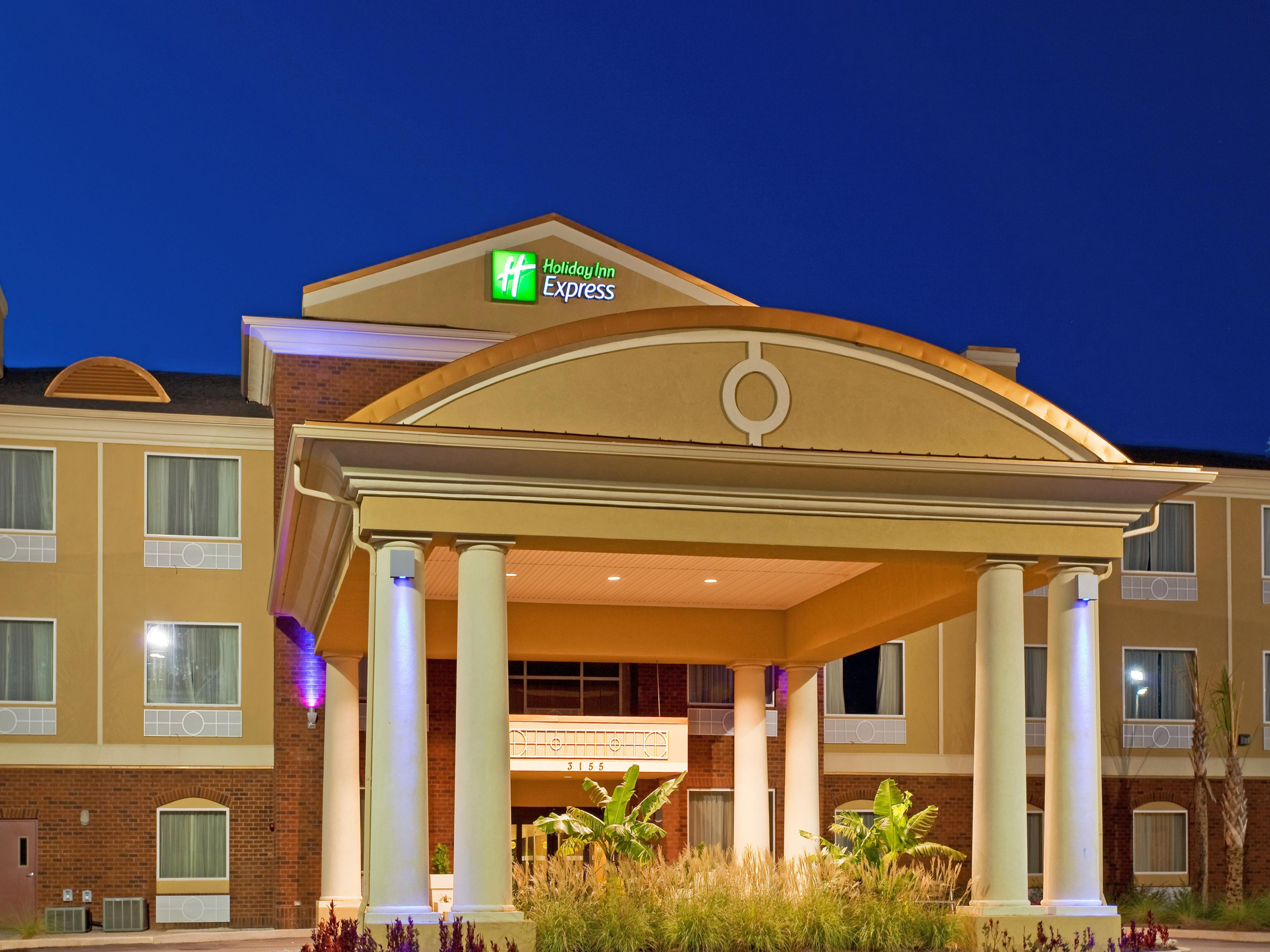 Holiday Inn Express Suites Foley