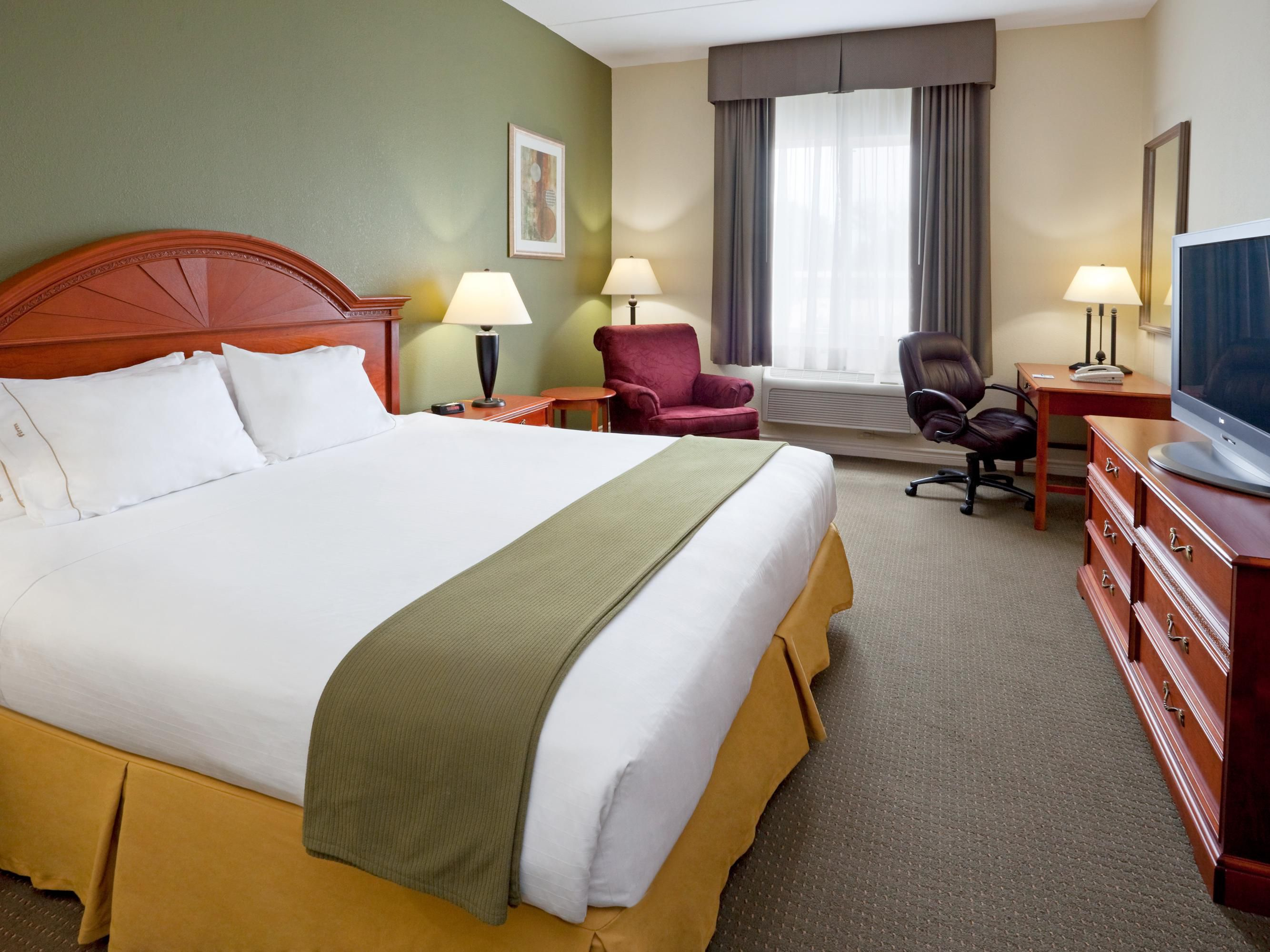 Executive King Room excellent for couples or business travellers.