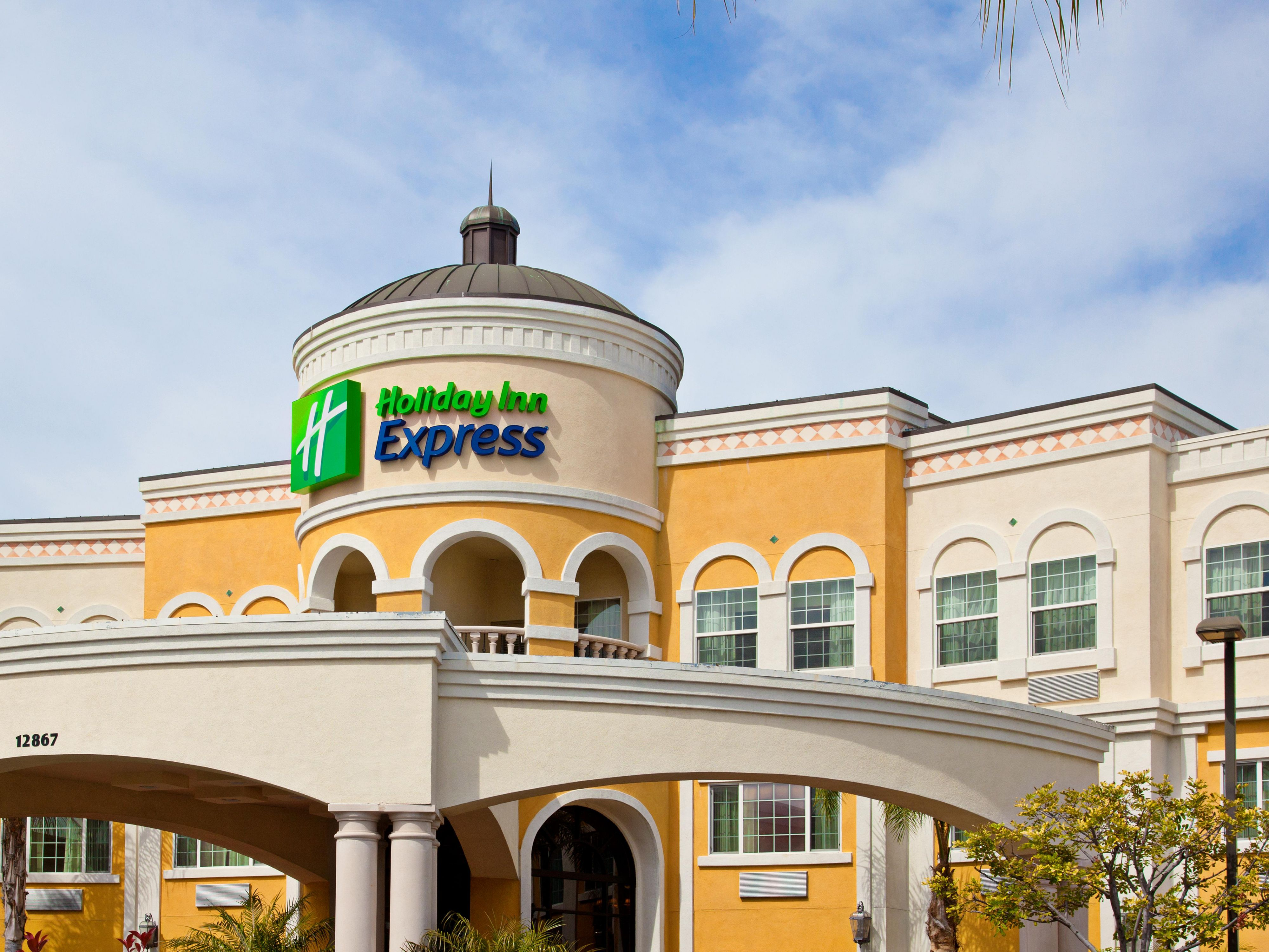 Holiday Inn Express Garden Grove Hotel Exterior