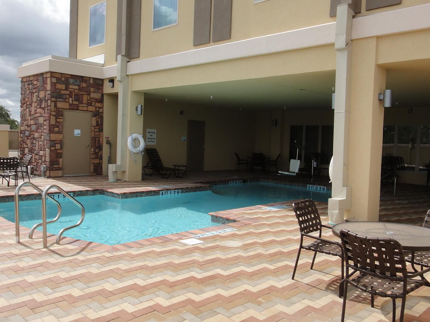 Swimming Pool at the Holiday Inn Express & Suites