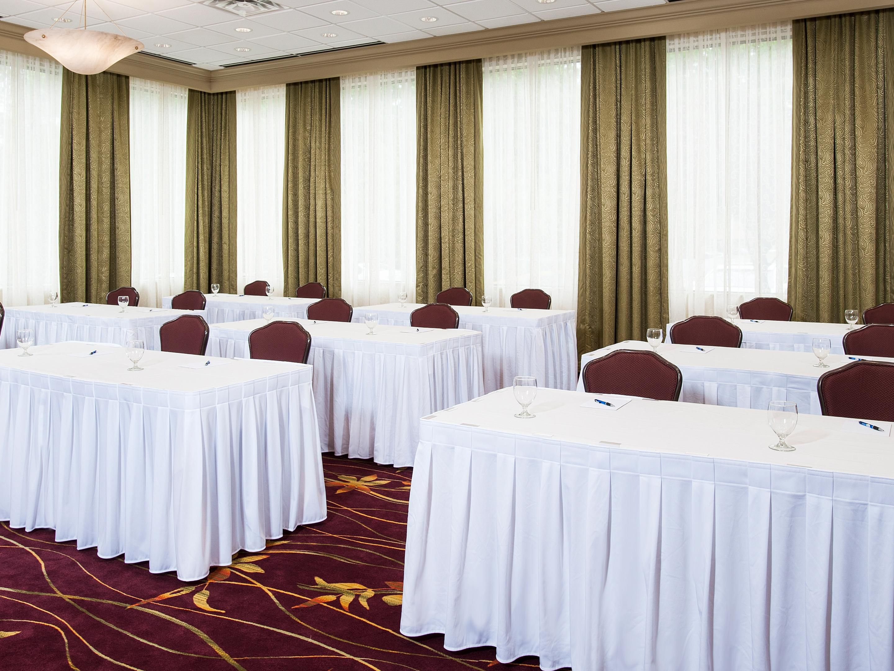 The Oak Room can accommodate several different room setups