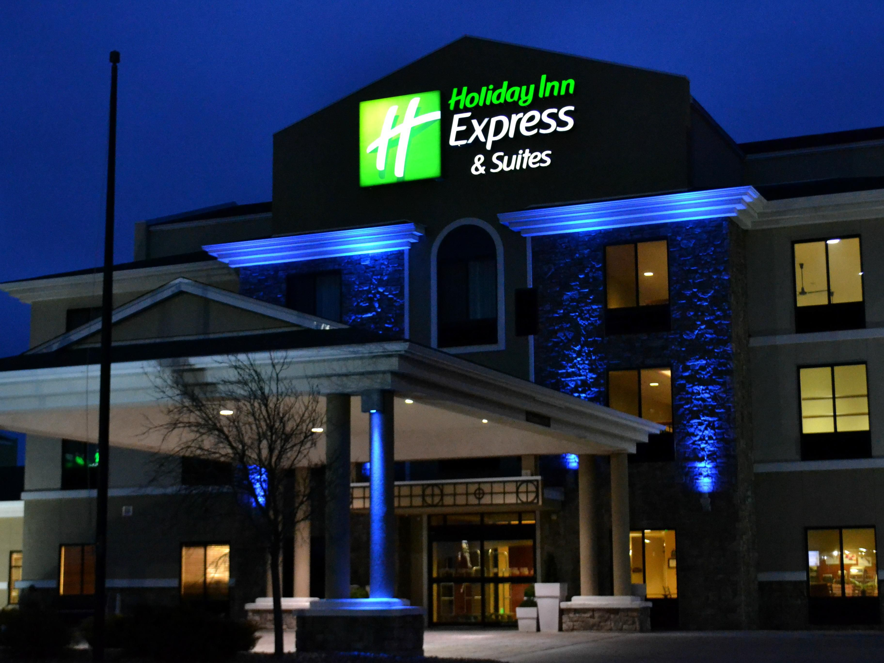 Night Life at the Beautiful Holiday Inn Express