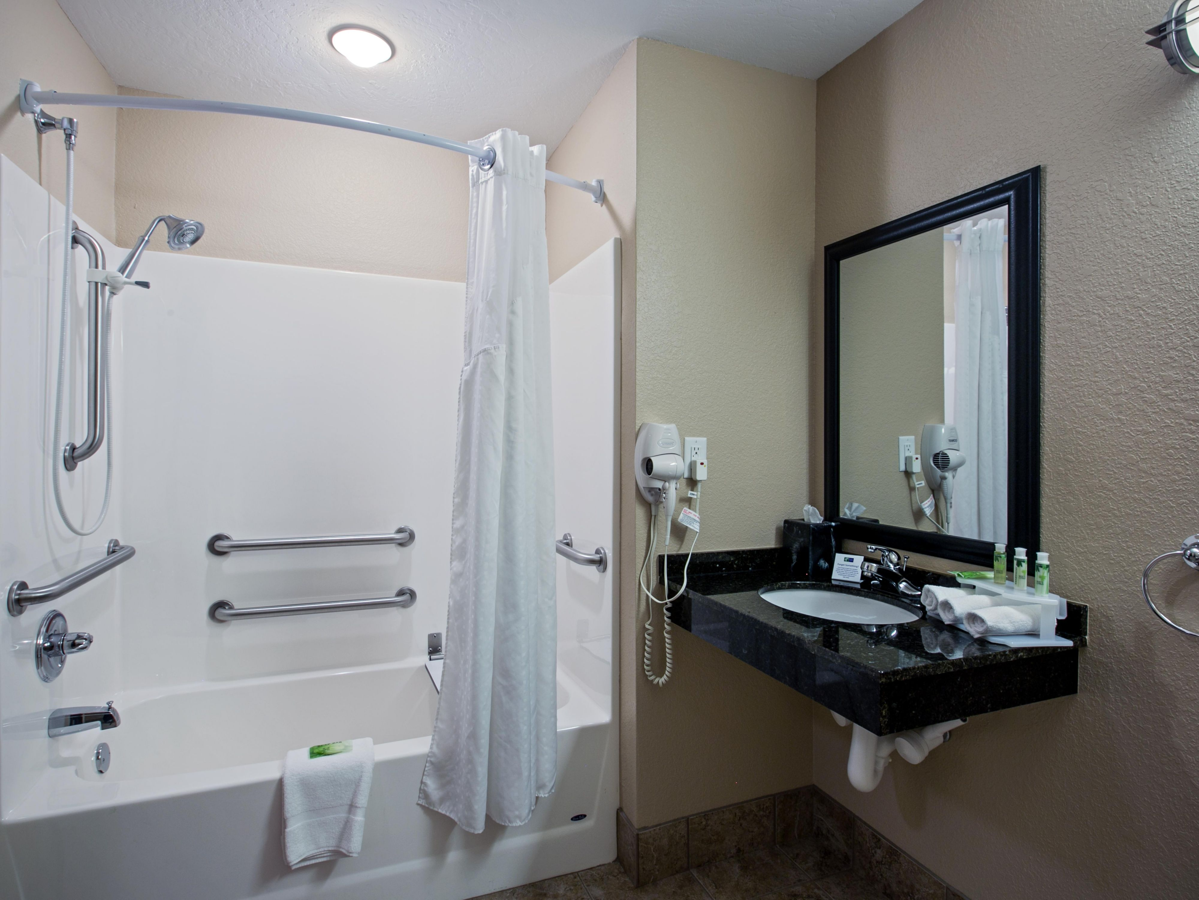 Fully-equipped King ADA Suite Bath