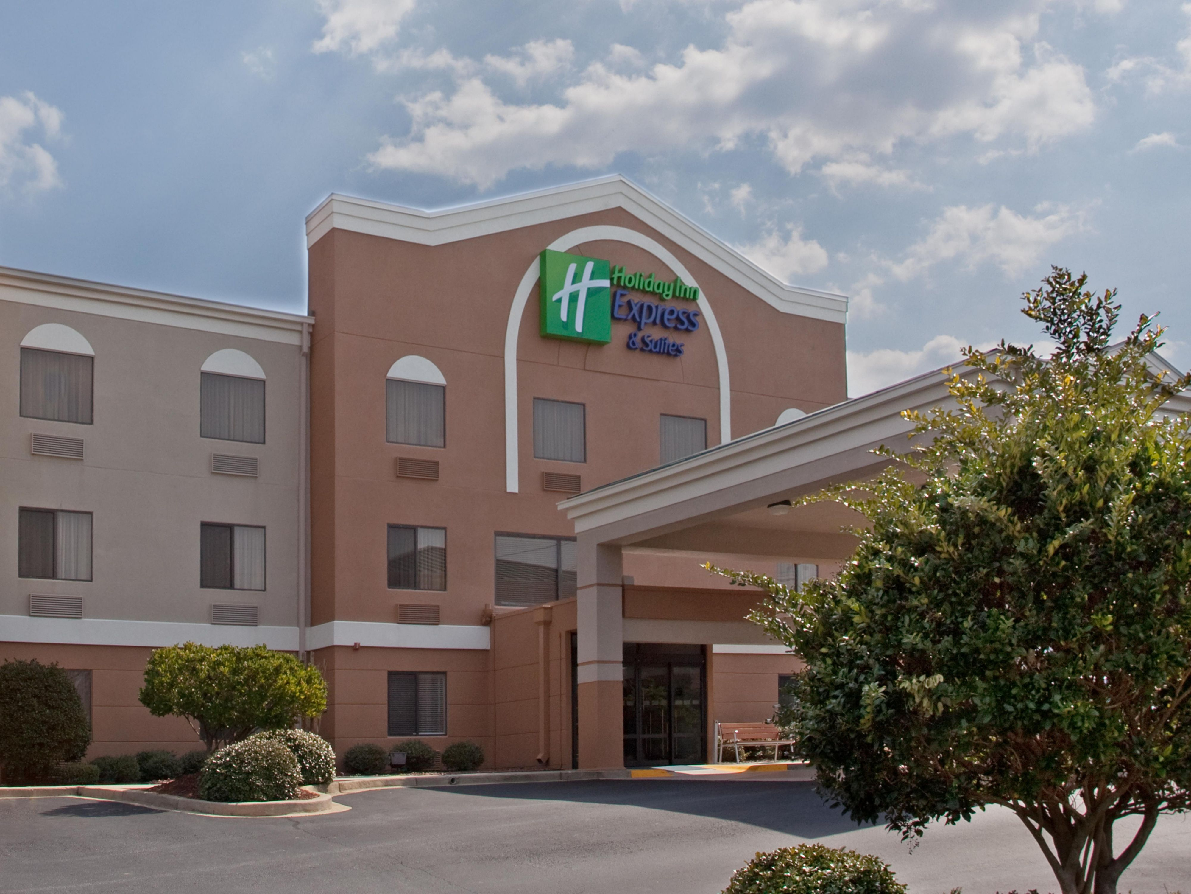 Holiday Inn Express & Suites Greenville Airport Hotel