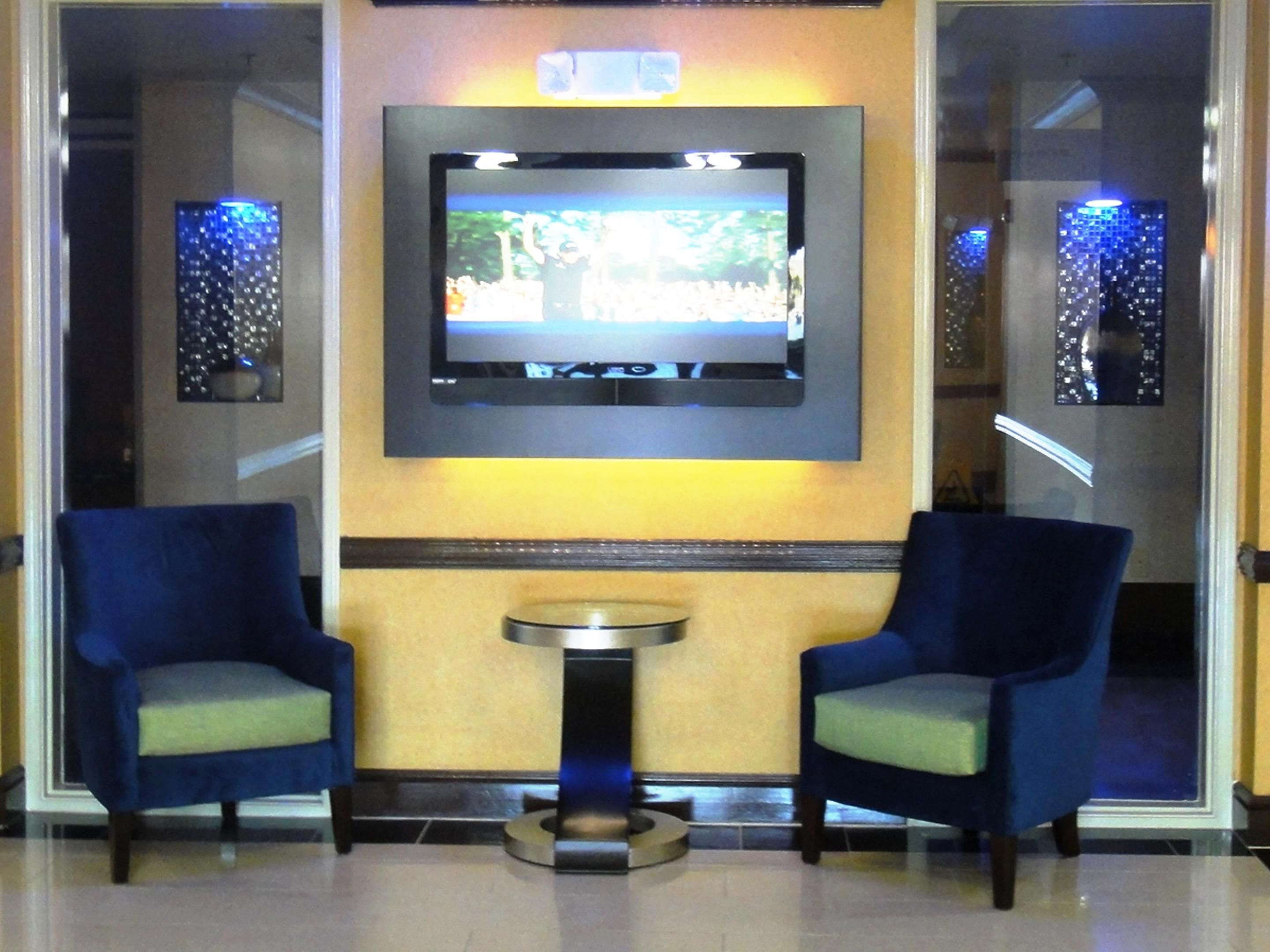Holiday Inn Express Hinesville/Fort Stewart Lobby
