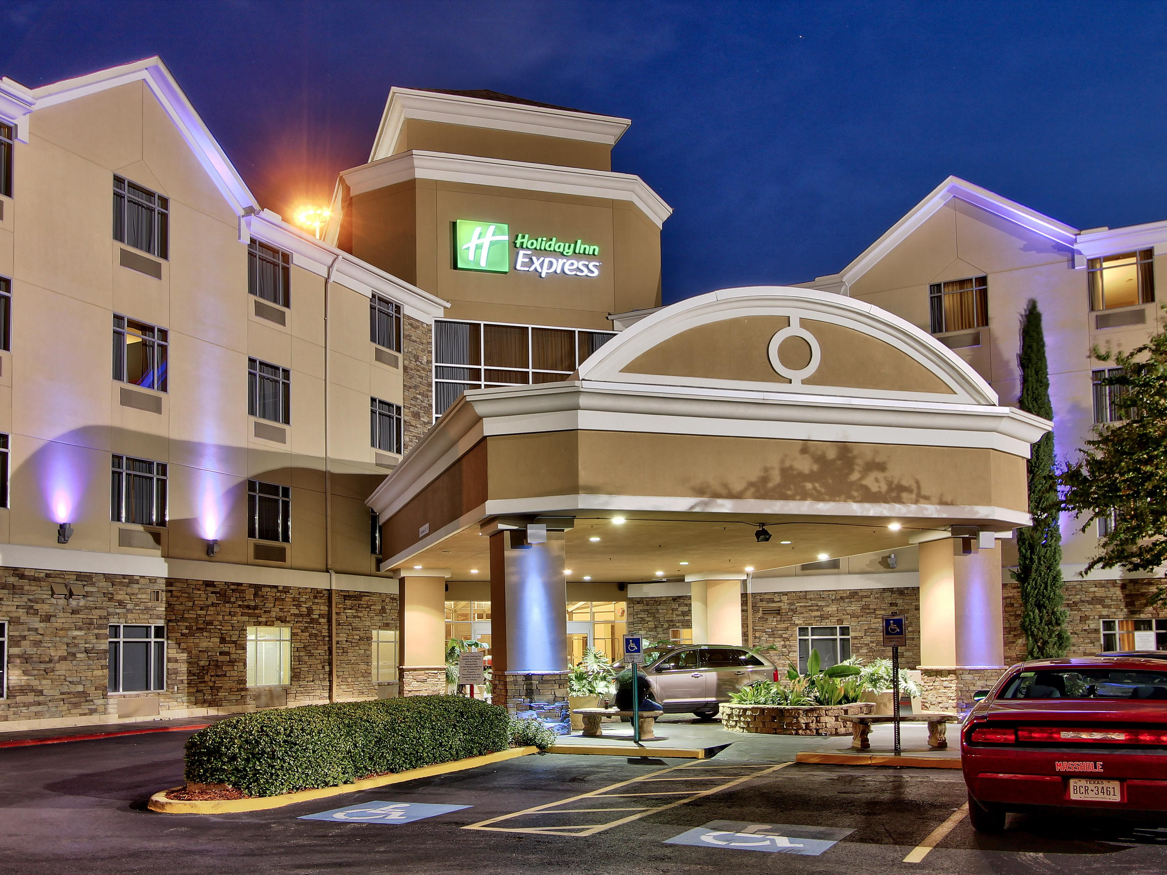 Holiday Inn Express & Suites Houston-Dwtn Conv Ctr Hotel by IHG