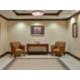 Hall d'entrée avec ascenseurs
