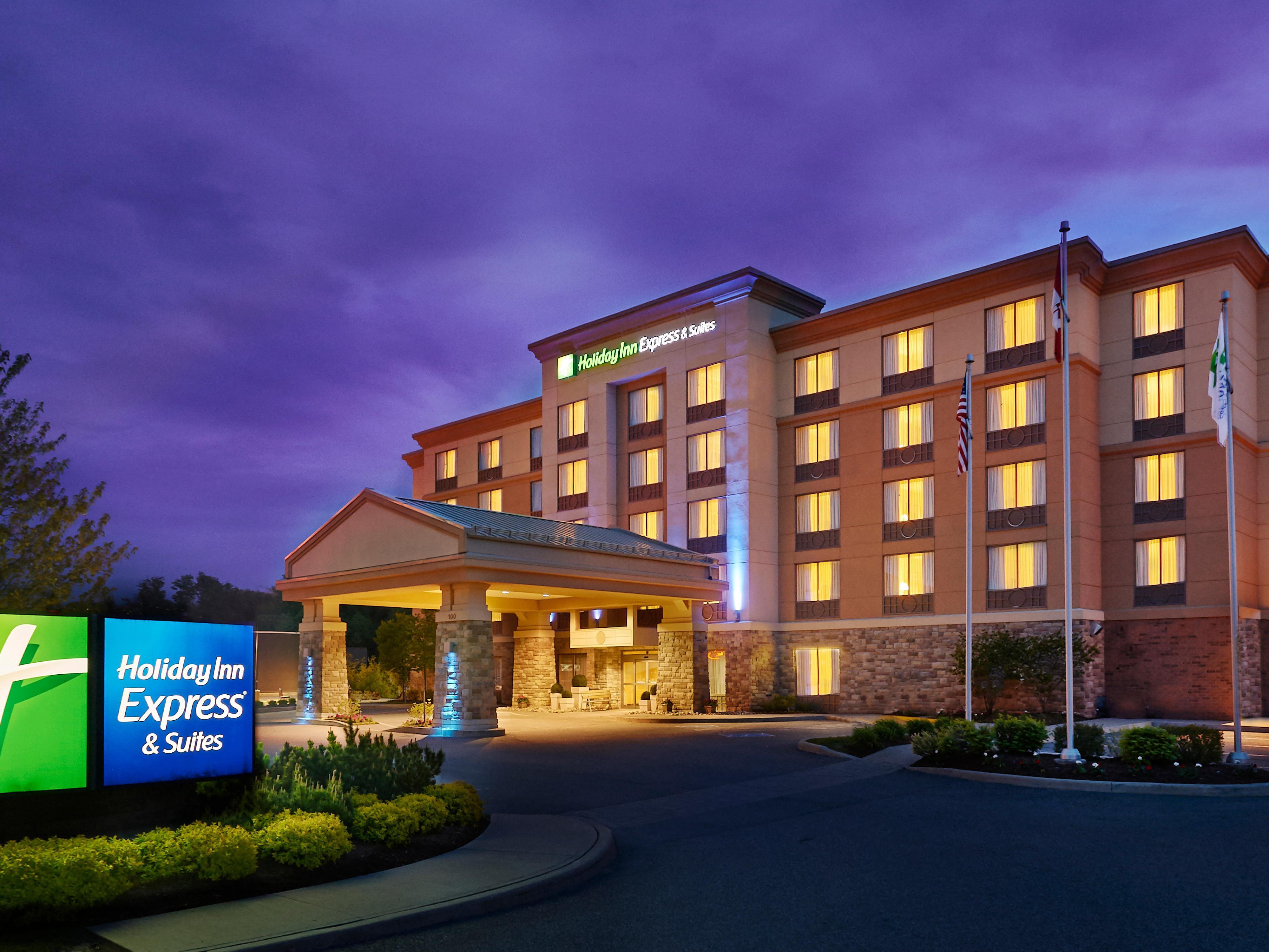Holiday Inn Express Suites Huntsville Muskoka Hotel In By Ihg