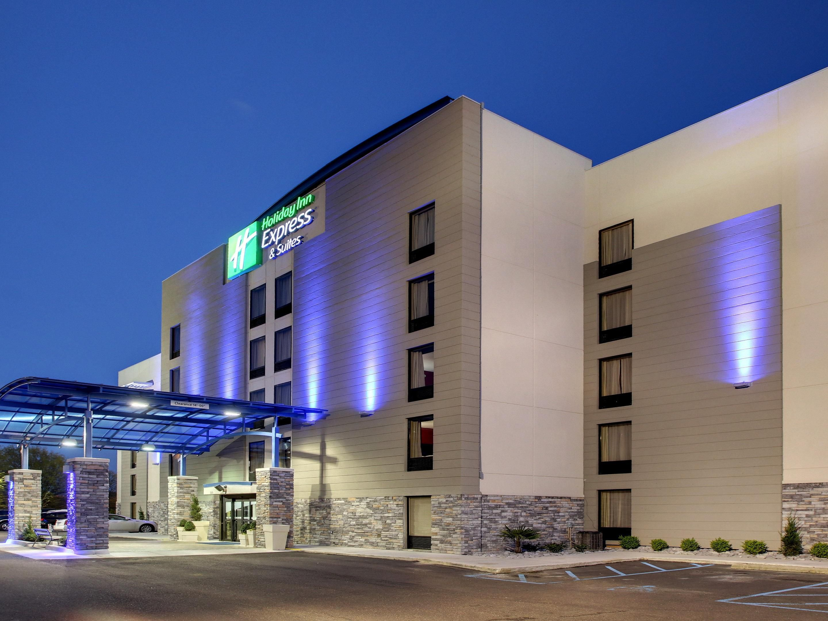 Welcome to the Holiday Inn Express Jackson Downtown - Coliseum
