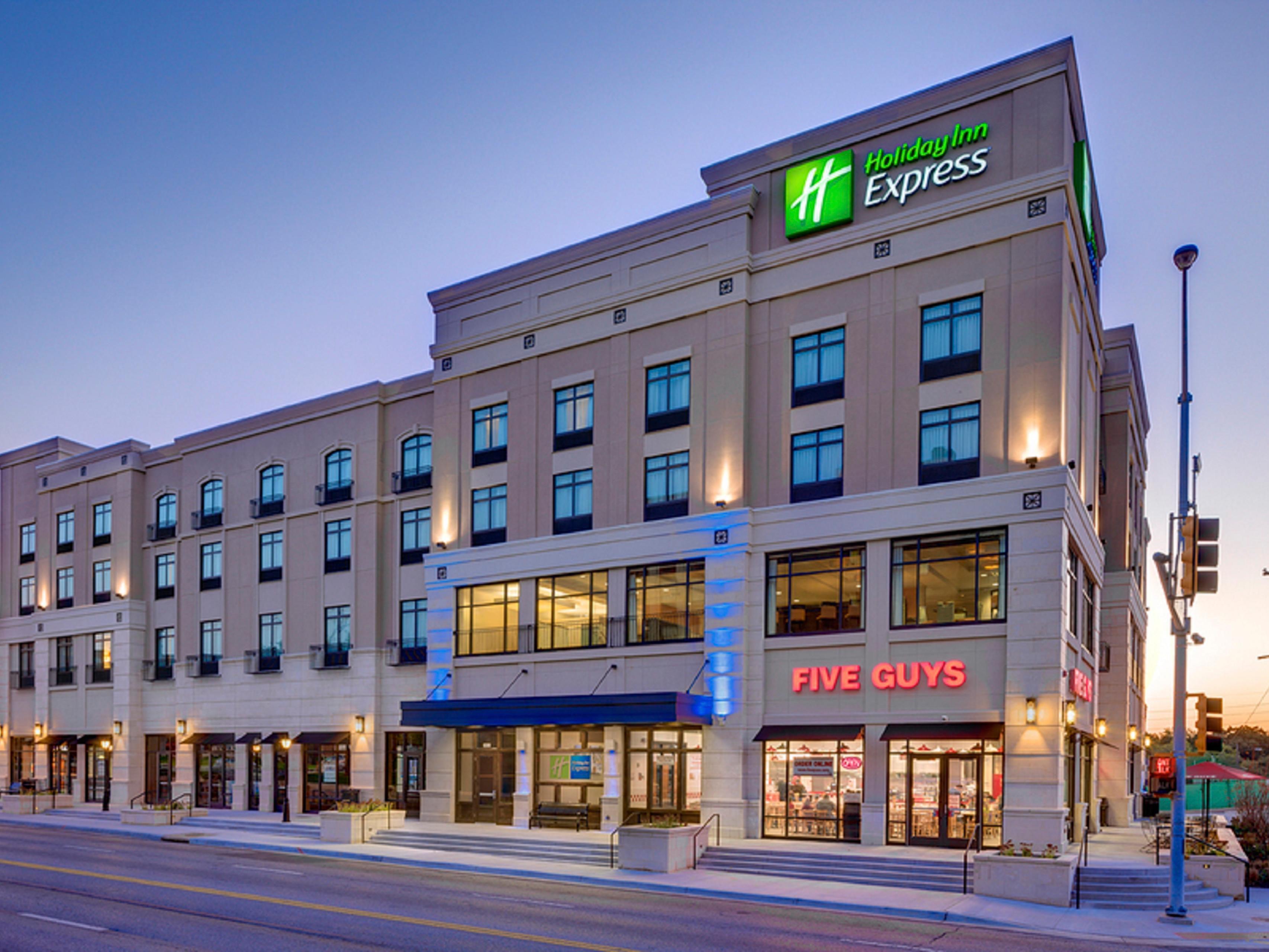 Holiday Inn Express Suites Kansas City Ku Medical Center Hotel Reviews Photos