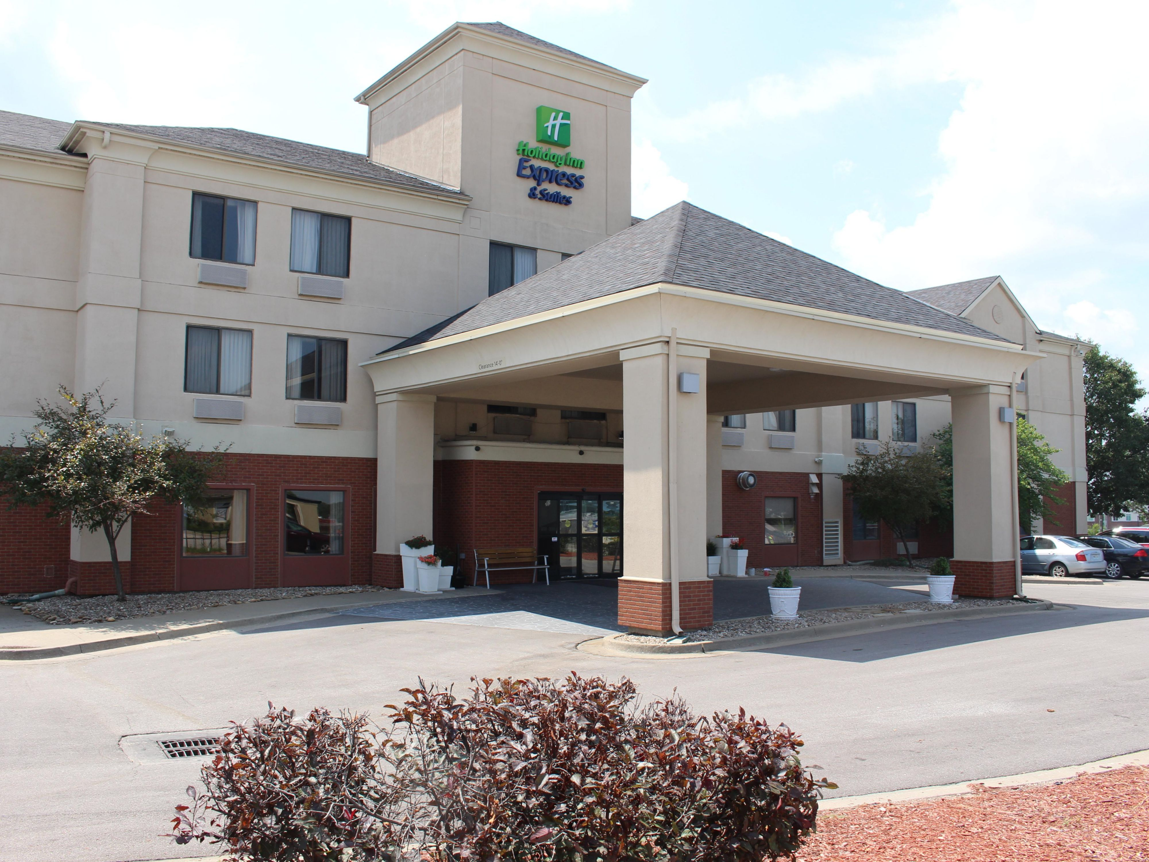 Holiday Inn Express Suites Kansas CityLiberty Hwy 152 Hotel by IHG