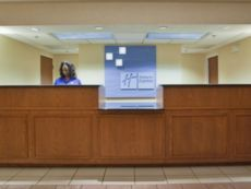 Holiday Inn Express & Suites Kinston