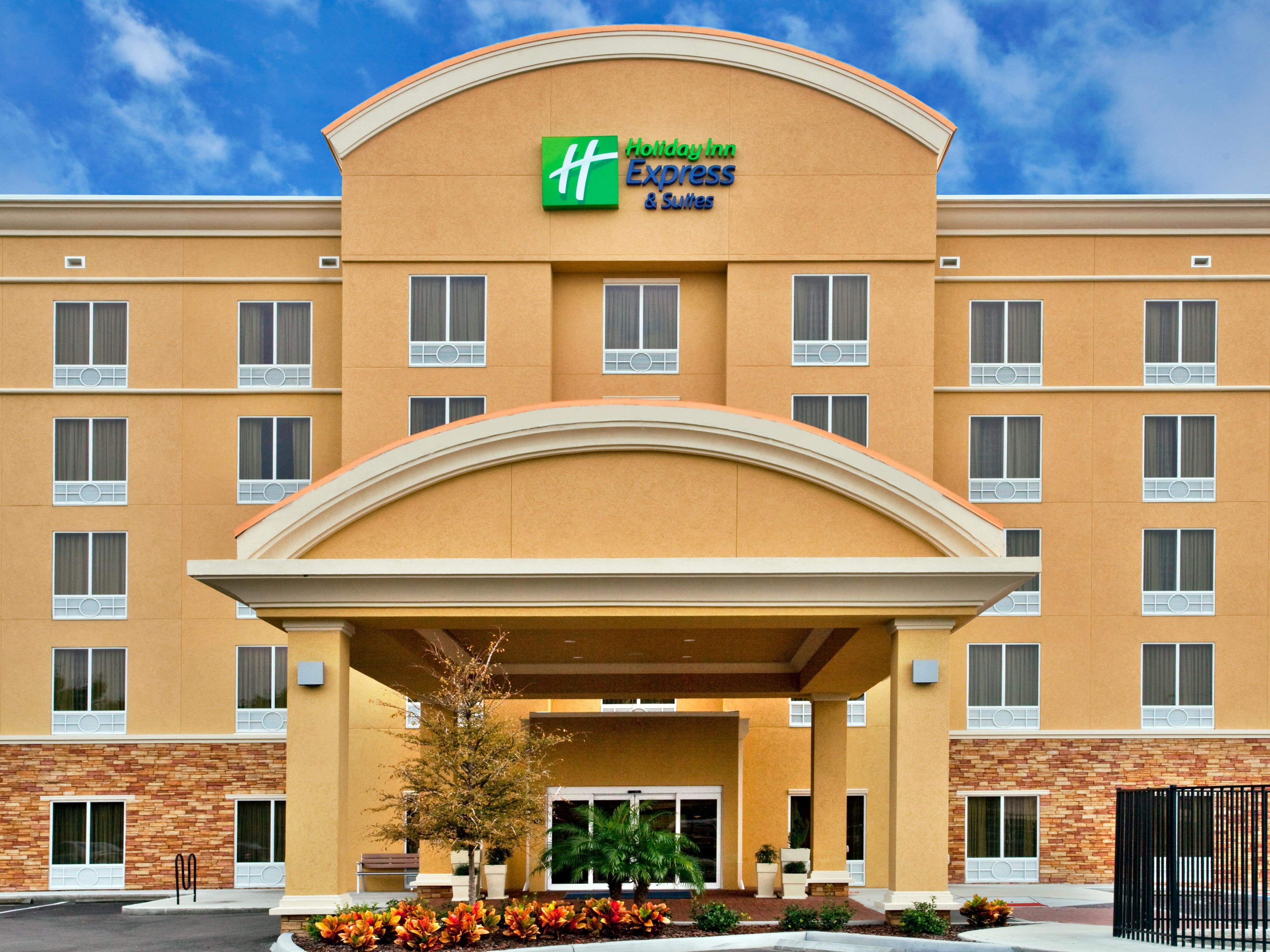 Holiday Inn Express Suites Largo Clearwater Hotel In Largo By Ihg