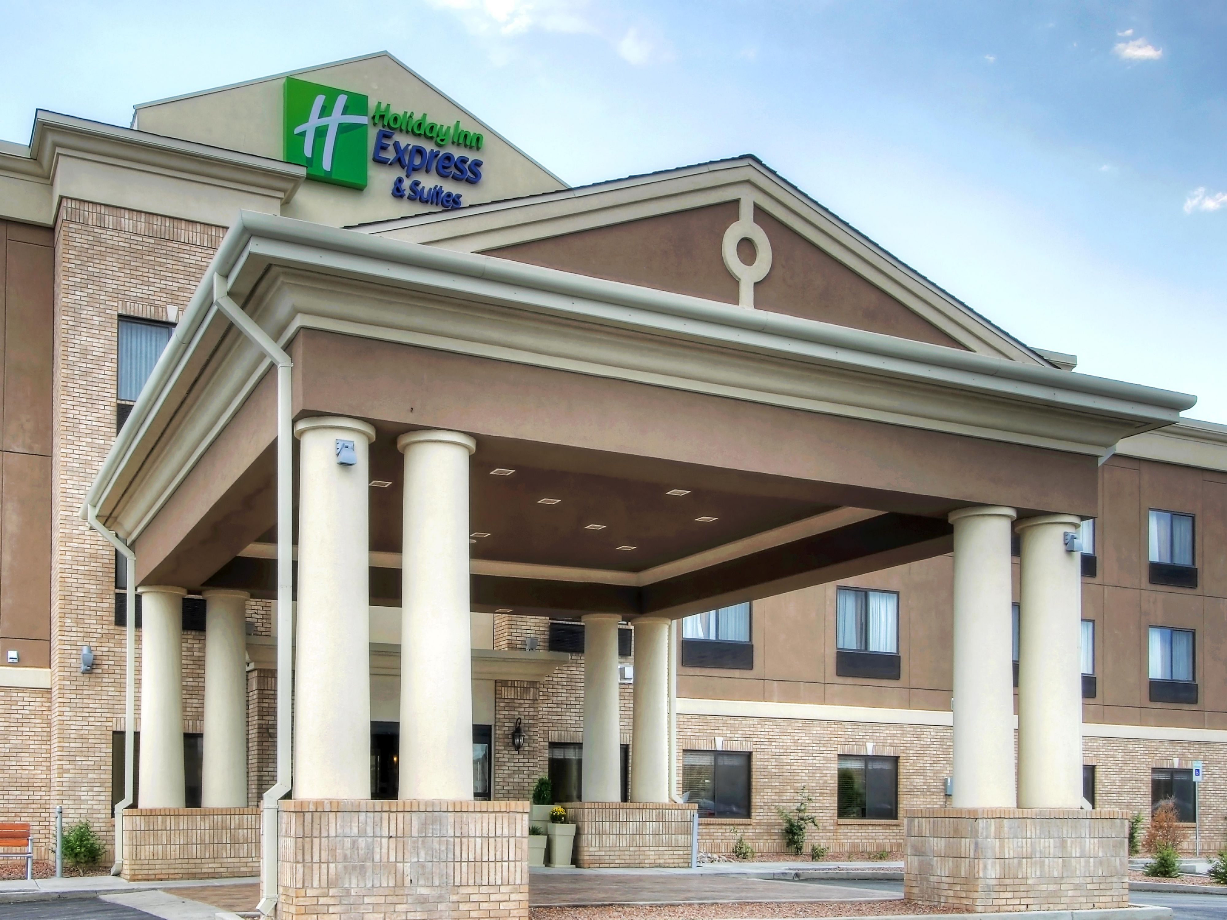 Holiday Inn Express Suites Las Vegas Hotel In Las Vegas By Ihg